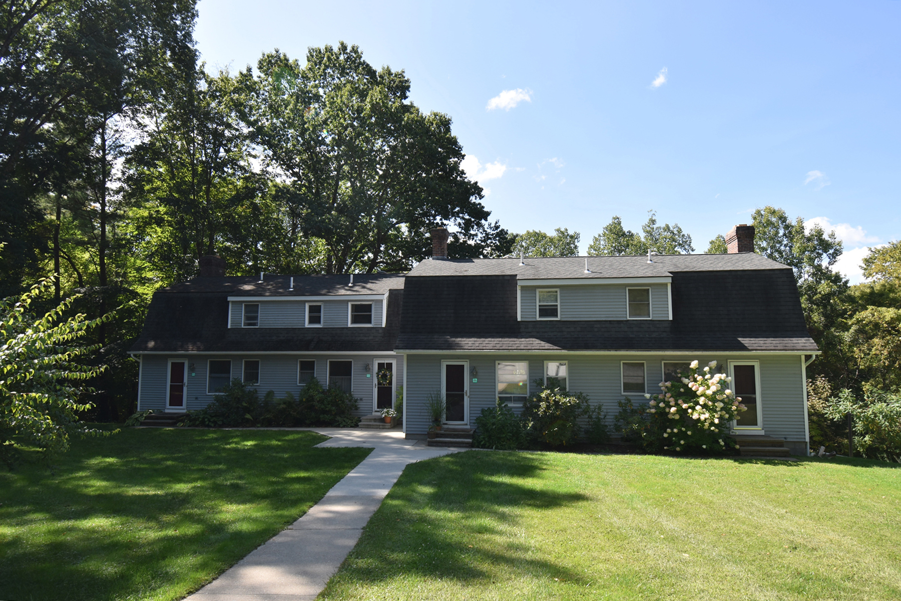 Condominiums for Sale at Feels Like a House 73 Old Colony Way A5 Pittsford, Vermont 05763 United States