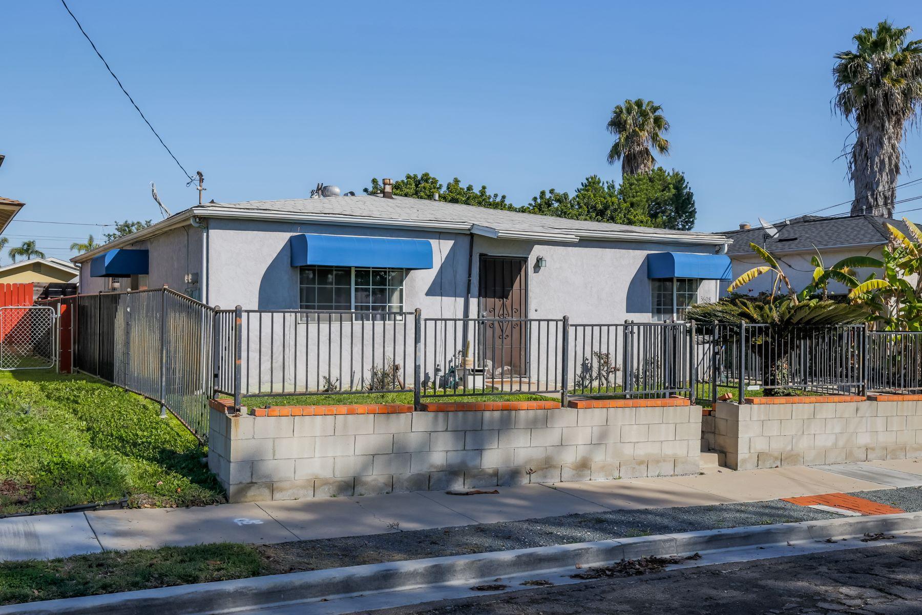 Duplex Homes 为 销售 在 3608-10 Collier 圣地亚哥, 加利福尼亚州 92116 美国
