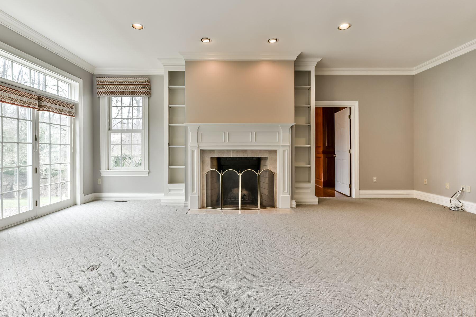 Additional photo for property listing at Classic Colonial on Two Acres 3157 Beechwood Drive Allison Park, Pennsylvania 15101 United States