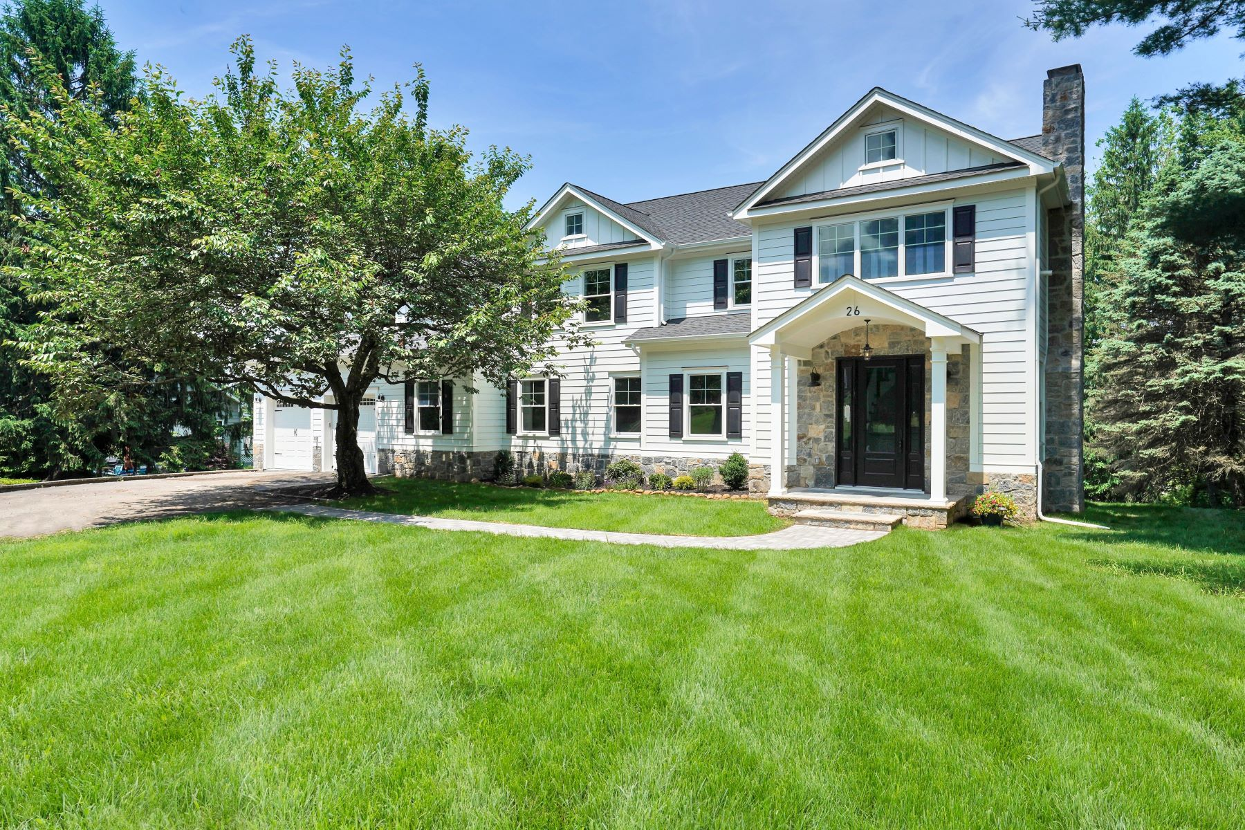 Single Family Homes for Active at Custom Colonial 26 Meyersville Road Chatham, New Jersey 07928 United States