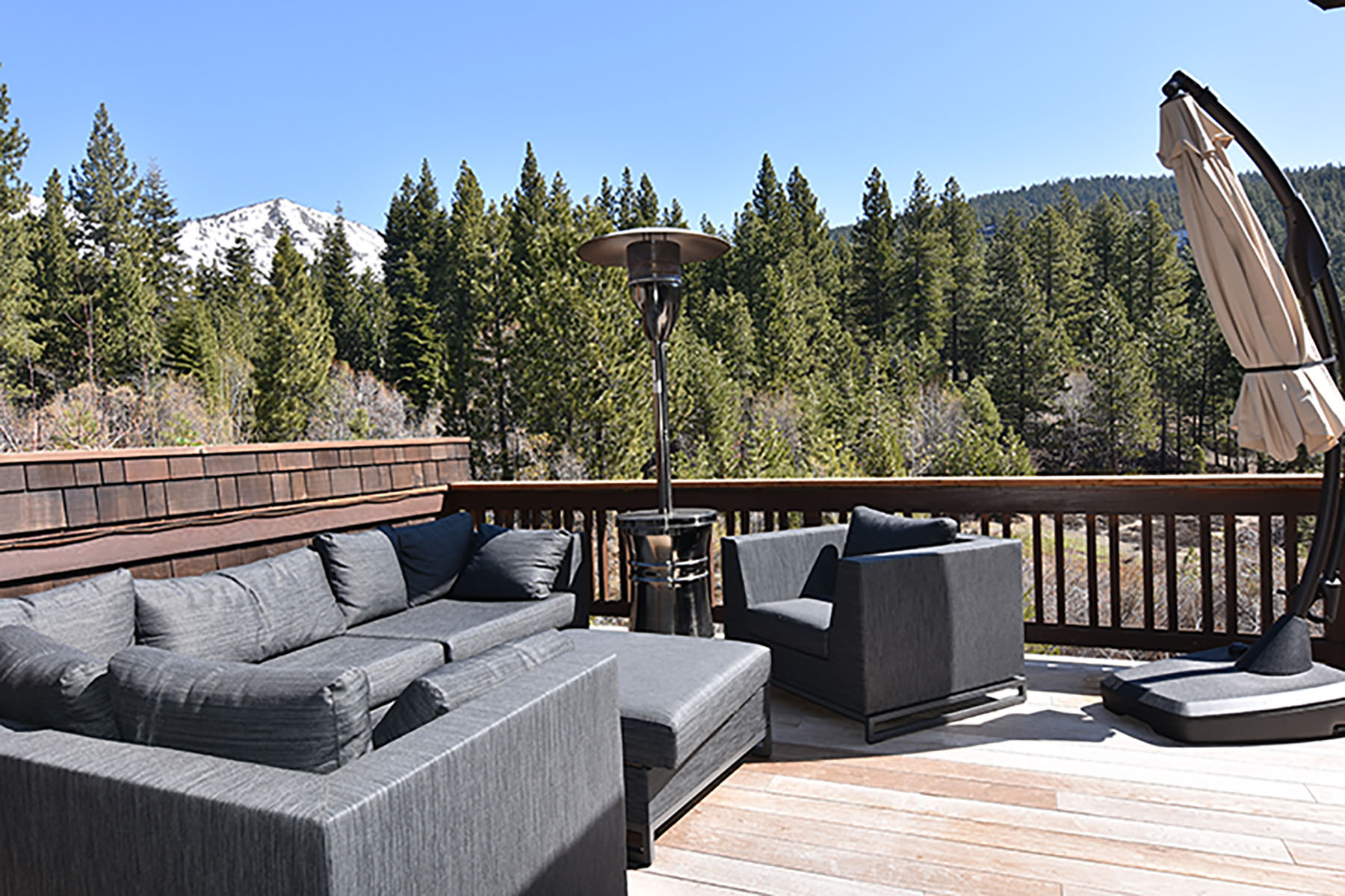 Additional photo for property listing at 898 Lake Country, Incline Village, Nevada 898 Lake Country Incline Village, Nevada 89451 United States