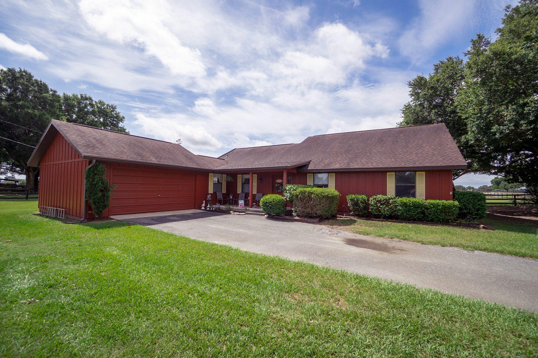 Single Family Homes por un Venta en OCALA 11533 N Magnolia Ave, Ocala, Florida 34475 Estados Unidos