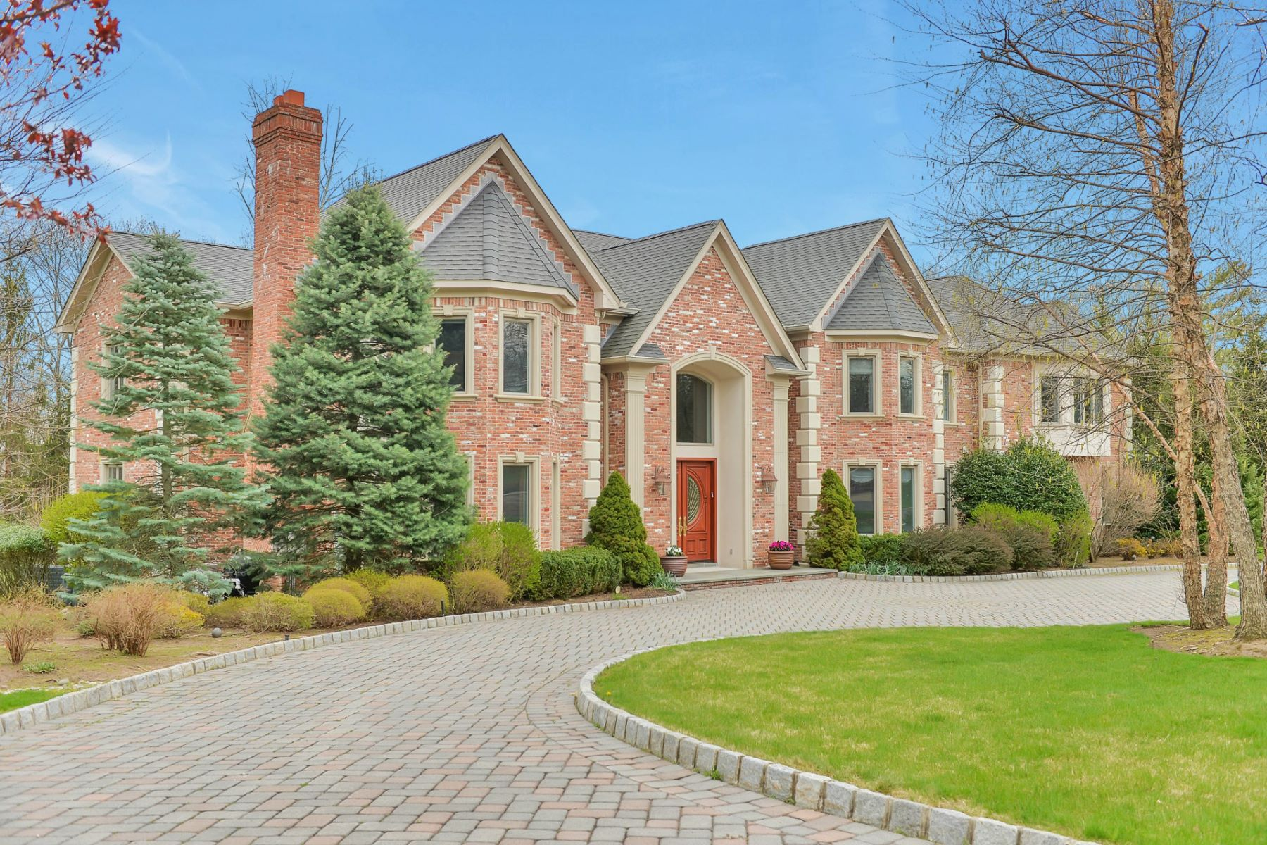 Single Family Home for Sale at Renowned Builder Property 4 Glen Carl Rd Upper Saddle River, 07458 United States
