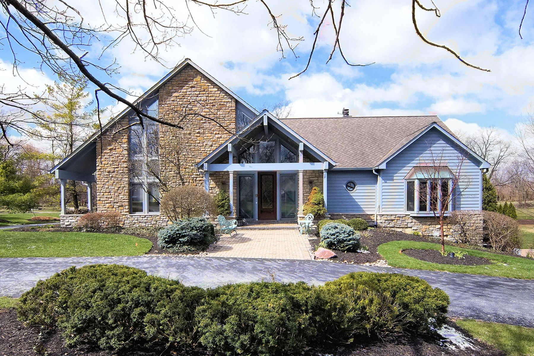 Single Family Home for Sale at Wonderful Home Offering Many Wonderful Featurse 1201 Morts Pass Wyoming, Ohio 45215 United States