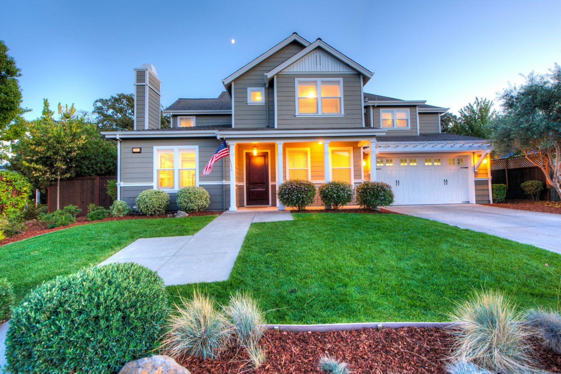 Vivienda unifamiliar por un Venta en Beautiful Solar and Green Home on Half Acre 214 Club Drive, Novato, California, 94945 Estados Unidos