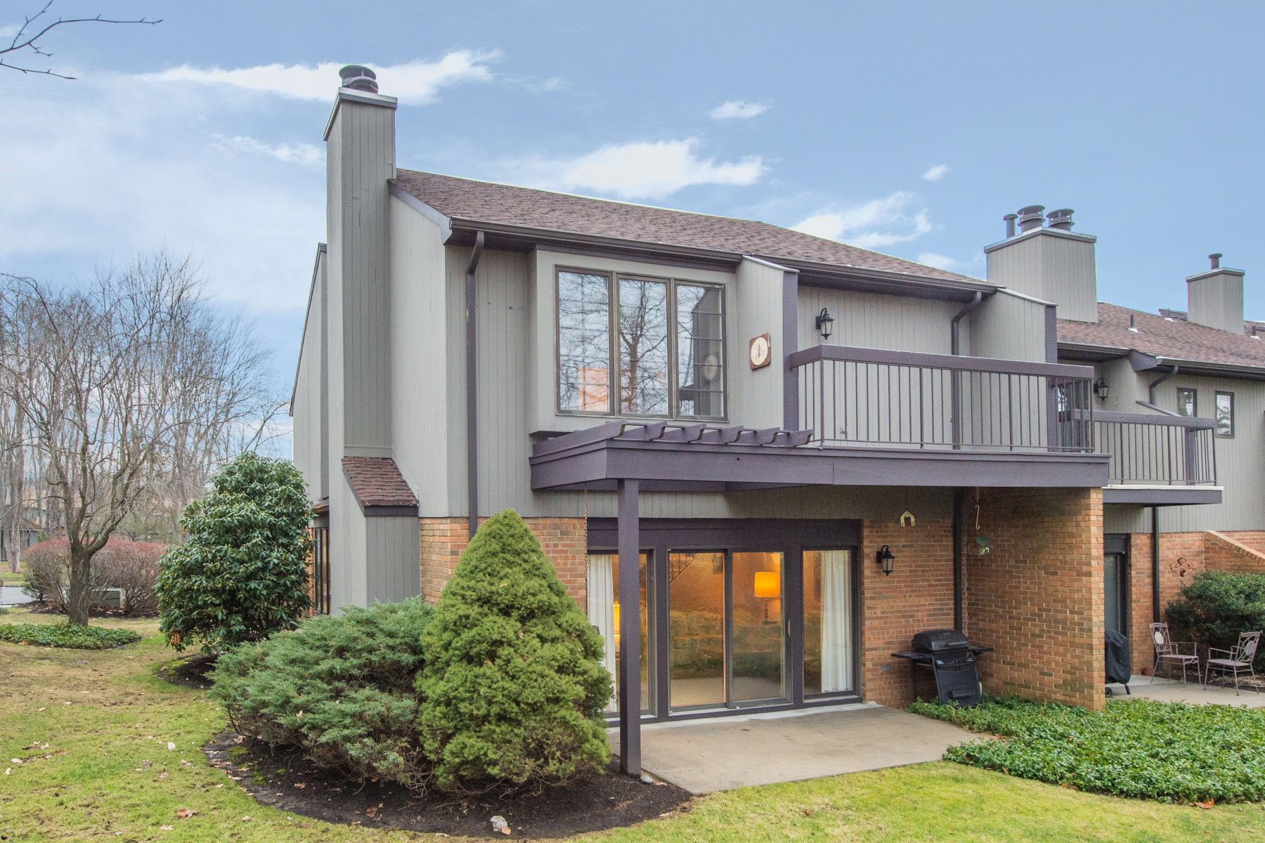 townhouses for Sale at Spacious End Unit Townhouse 18 Byron Avenue Morris Township, New Jersey 07960 United States