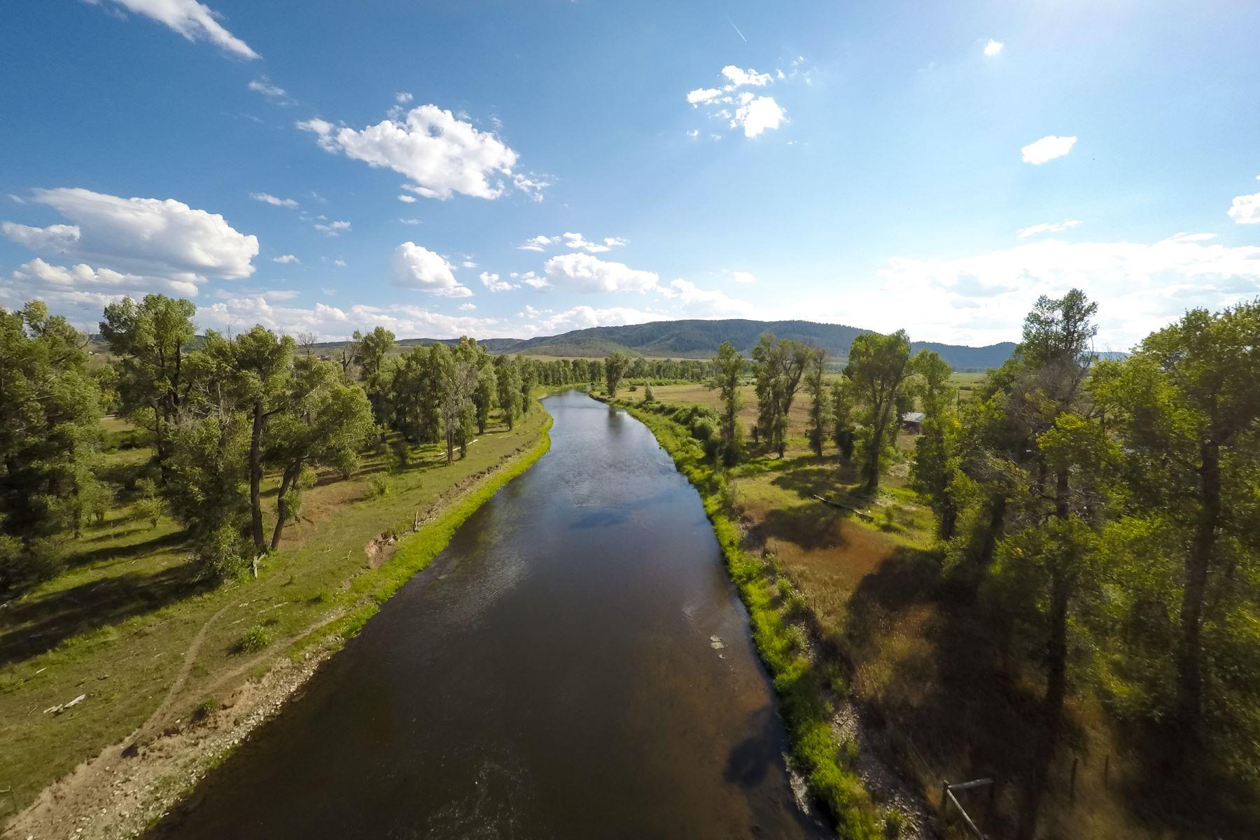 Ferme / Ranch / Plantation pour l Vente à The Tellier Ranch 25365 CR 33A Steamboat Springs, Colorado 80487 États-Unis