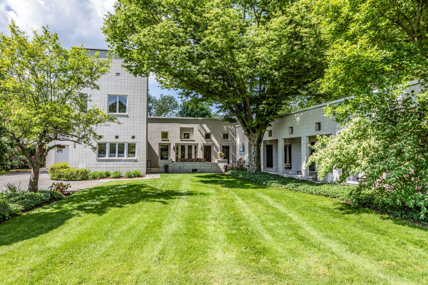 Single Family Home for Sale at Award-Winning Masterpiece by Olcott + Schliemann 34 Oakland Street, Princeton, New Jersey 08540 United States
