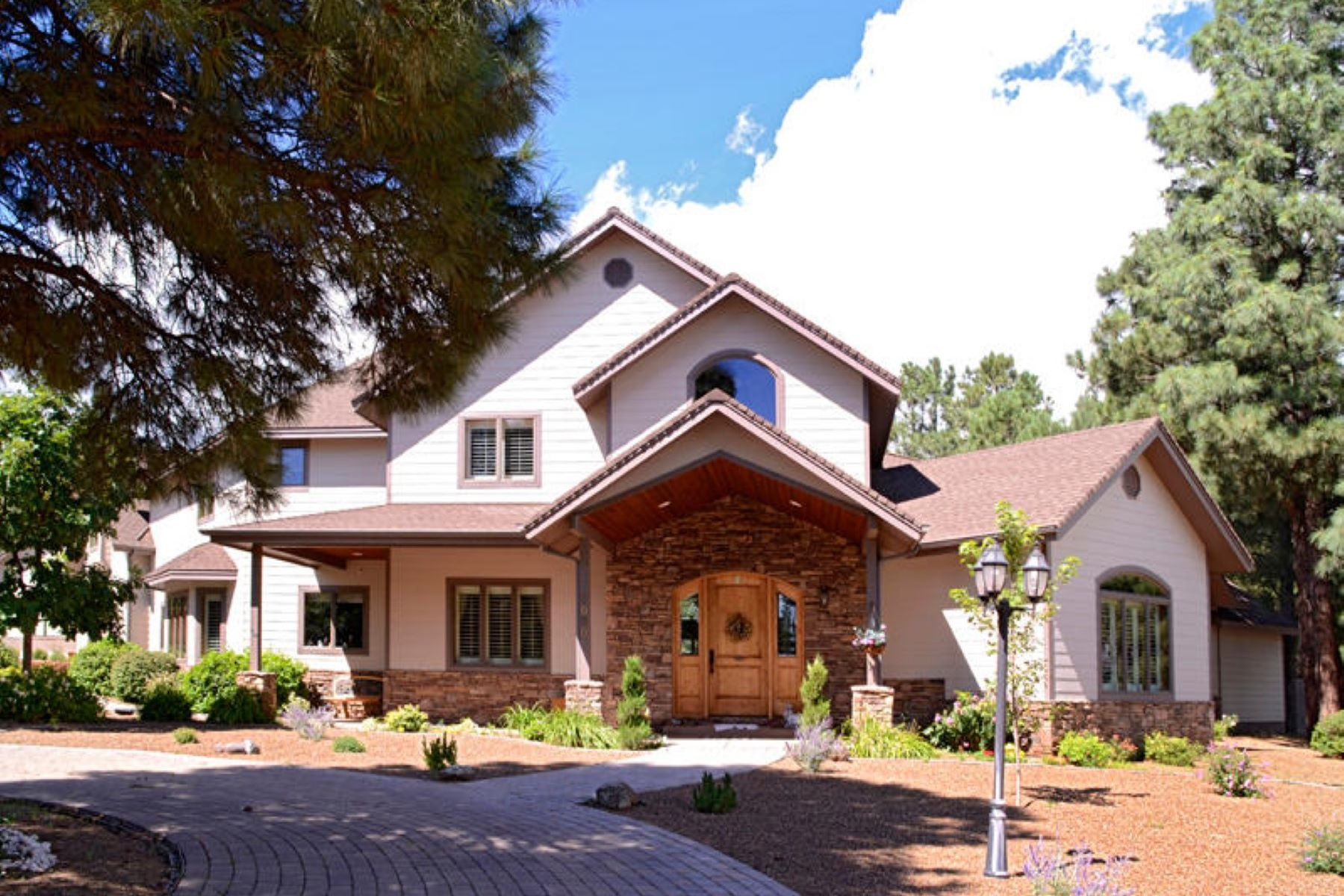 Single Family Home for Sale at Luxury Forest Home 7050 N Oakwood Pines DR, Flagstaff, Arizona, 86004 United States