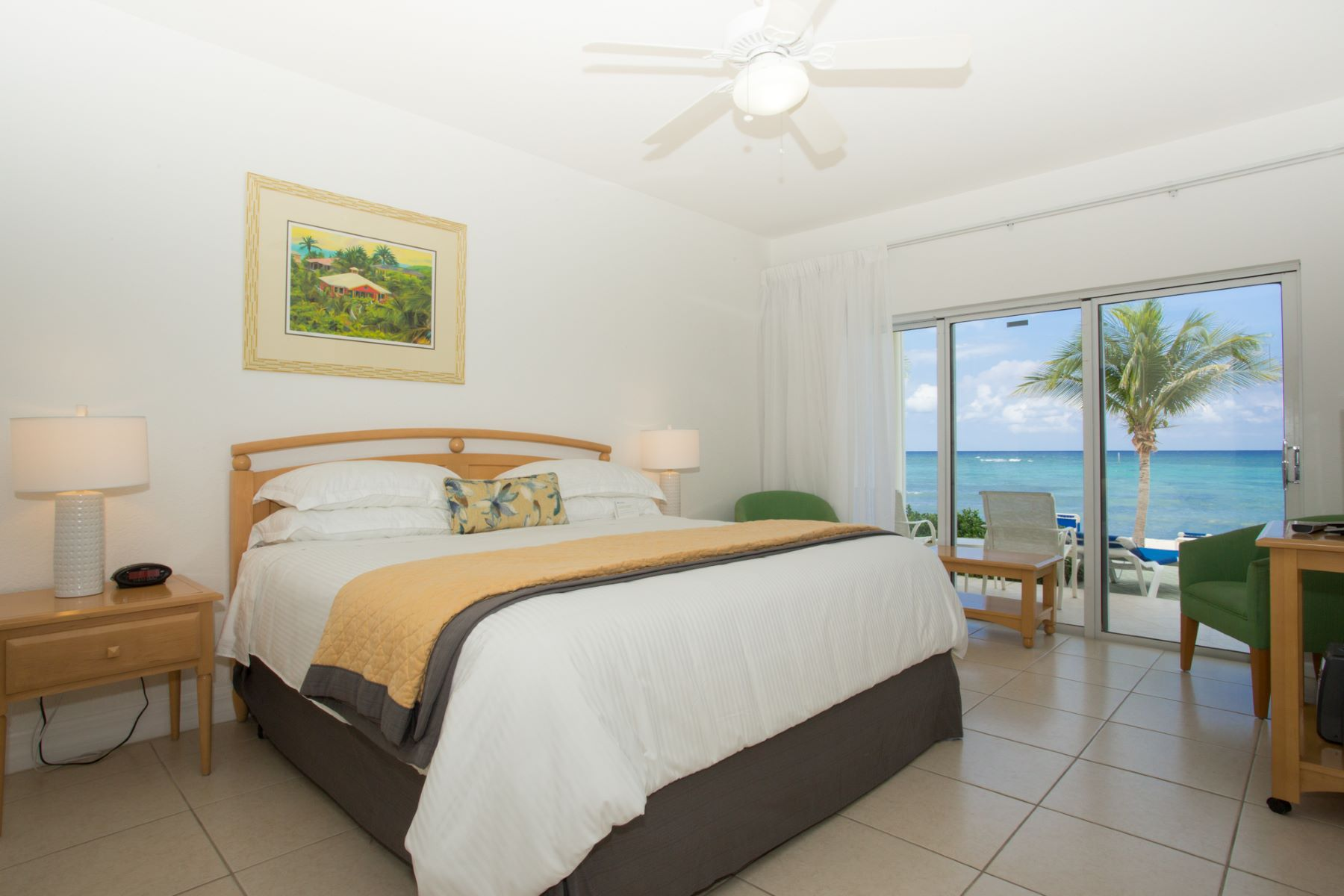 Additional photo for property listing at Castaway Cove #120 East End, Gran Caimán Islas Caimán