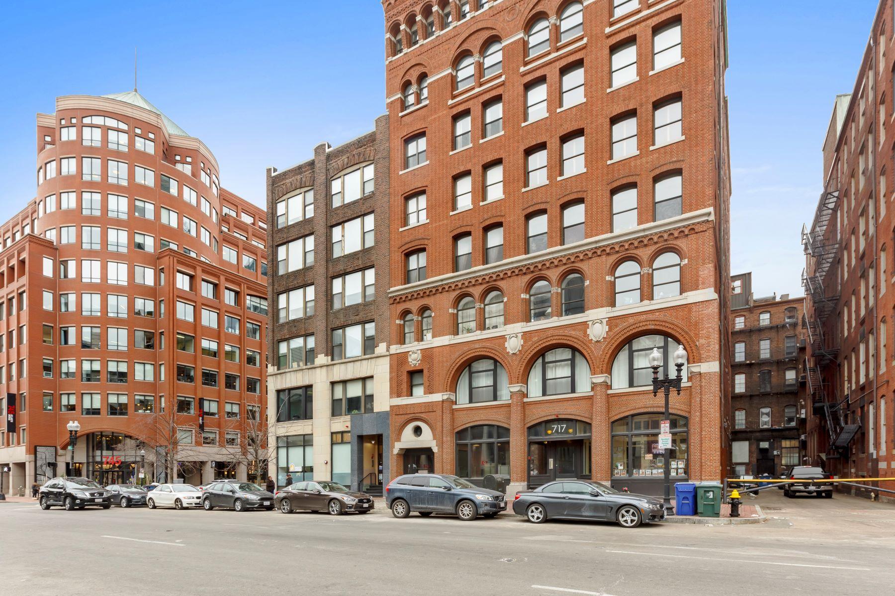 콘도미니엄 용 매매 에 Classic Leather District Loft 717 Atlantic Avenue Unit 4A Leather District, Boston, 매사추세츠, 02111 미국