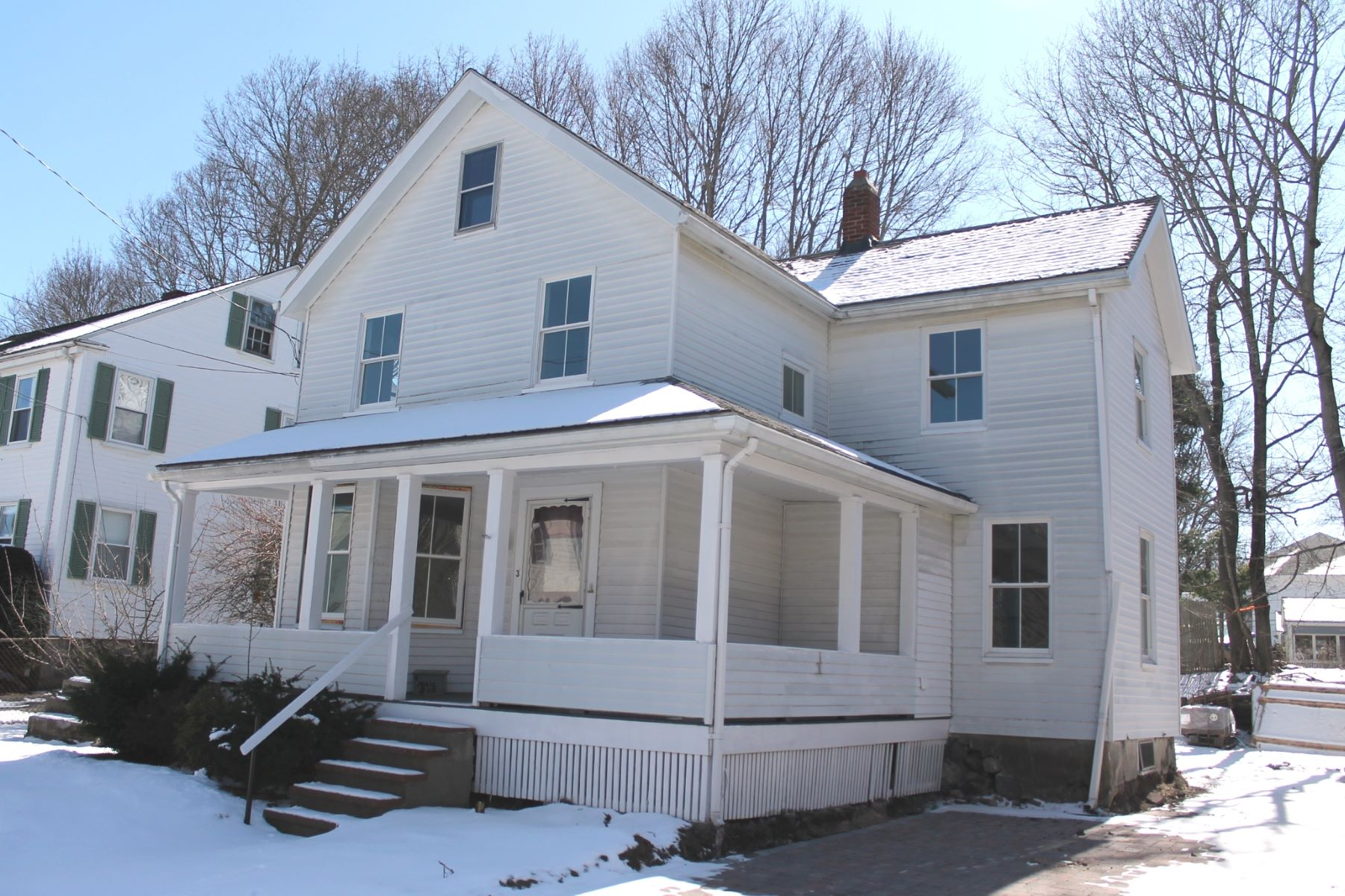 Single Family Home for Rent at Conveniently Located 3 Curve Street Lexington, Massachusetts 02420 United States