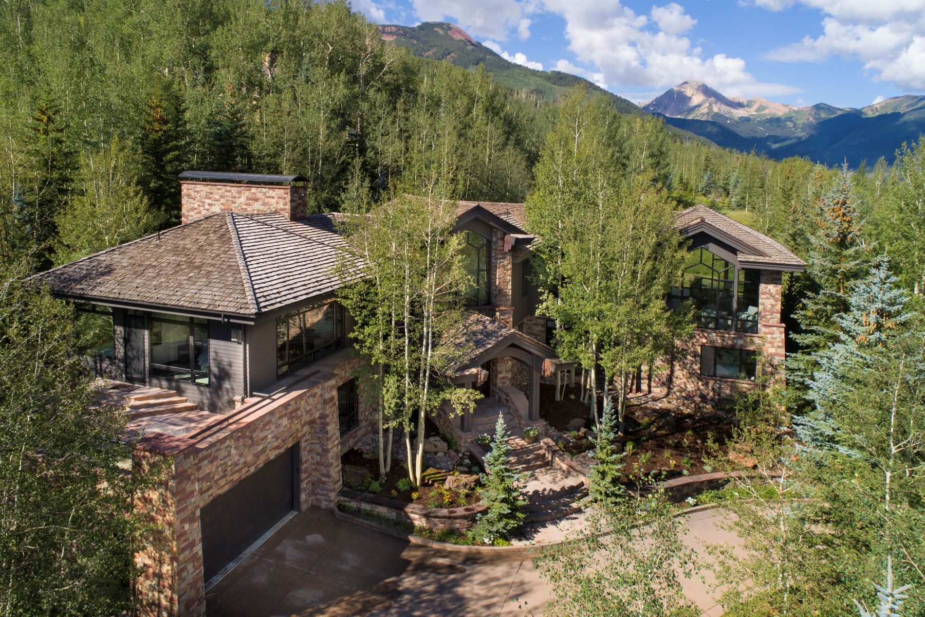 Property для того Продажа на Magnificent Ski-In/Ski-Out Snowmass Home 530 Divide Drive, Snowmass Village, Колорадо 81615 Соединенные Штаты