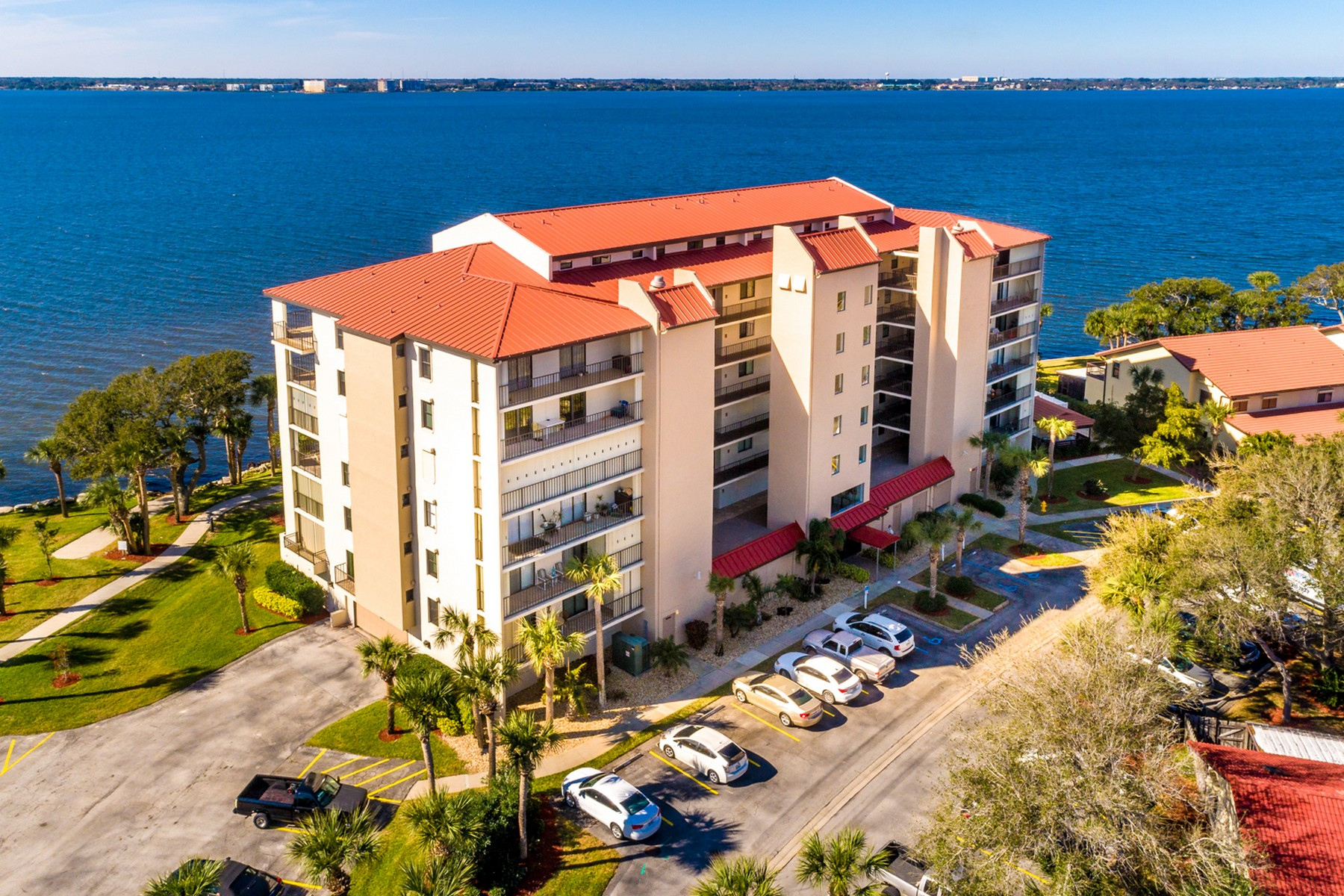 Riverfront Penthouse condo in desirable Beach Woods. 3220 River Villa Way Unit 164 Melbourne Beach, Florida 32951 Vereinigte Staaten