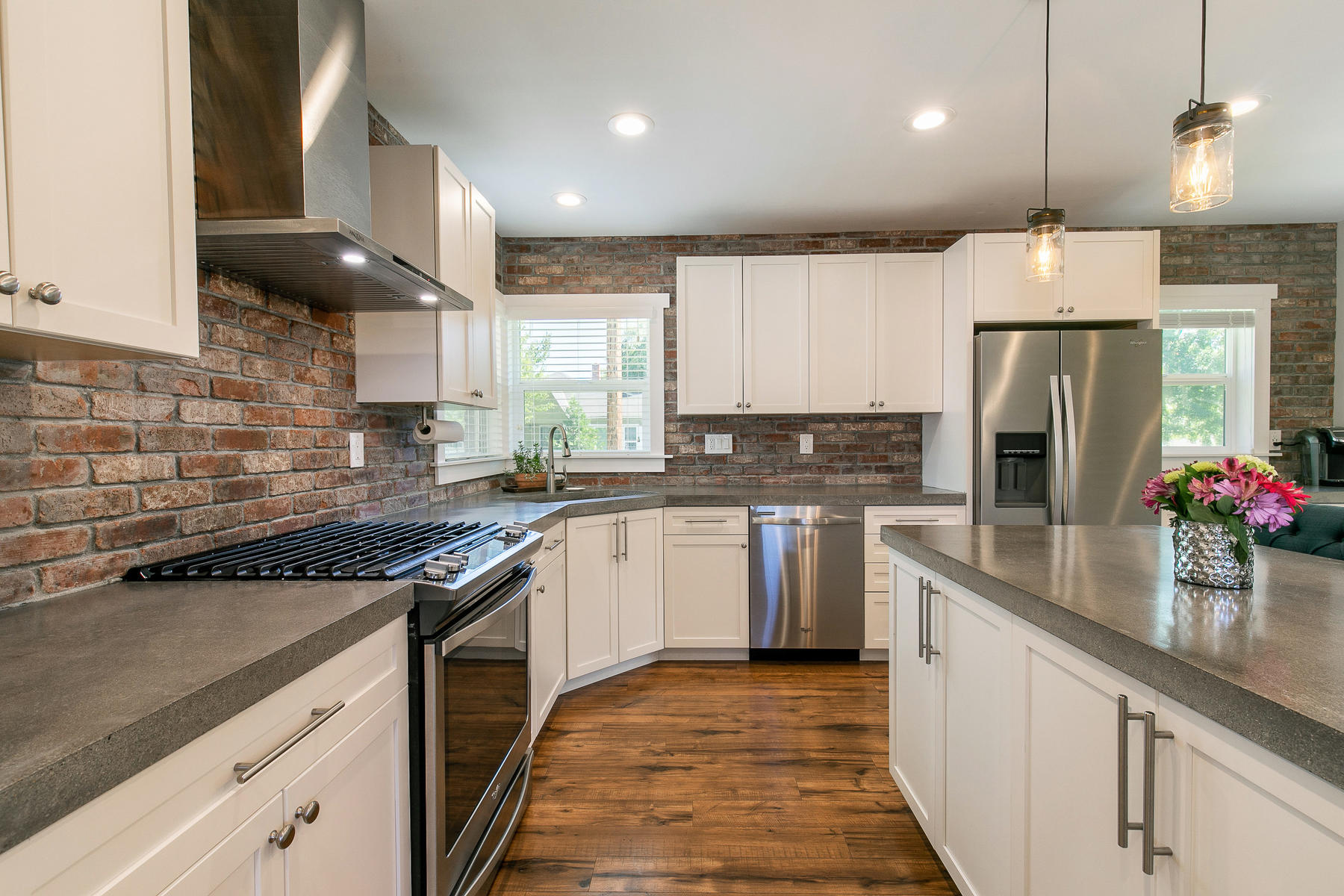 Additional photo for property listing at 1234 Manor Drive, Reno NV 89509 1234 Manor Drive Reno, Nevada 89509 United States