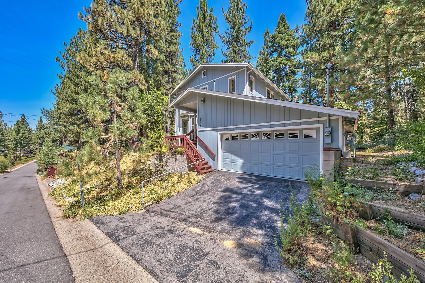 Single Family Home for Active at 2226 Lupine Trail, South Lake Tahoe CA, 96150 2226 Lupine Trail South Lake Tahoe, California 96150 United States