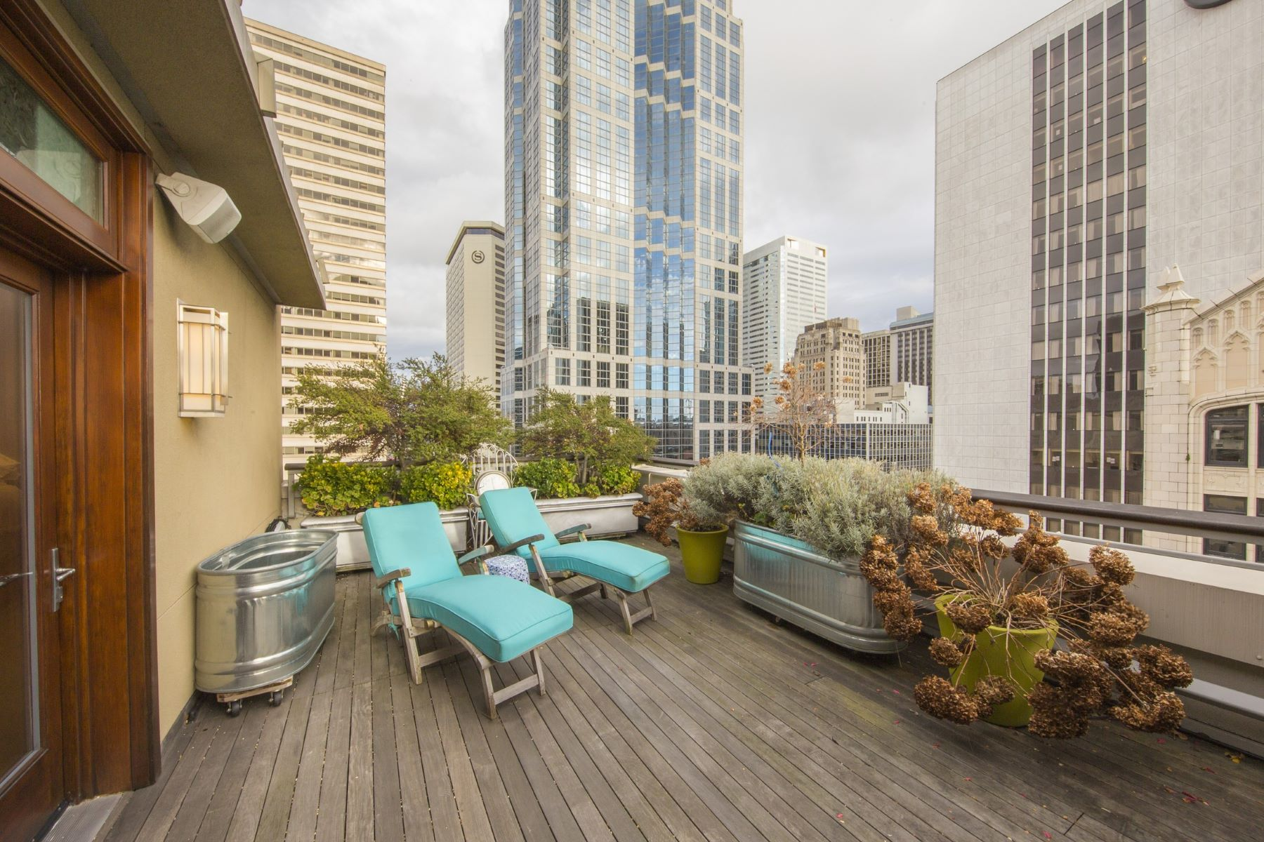 Additional photo for property listing at Historic Penthouse 1500 4th Ave #1101 Seattle, Washington 98101 United States