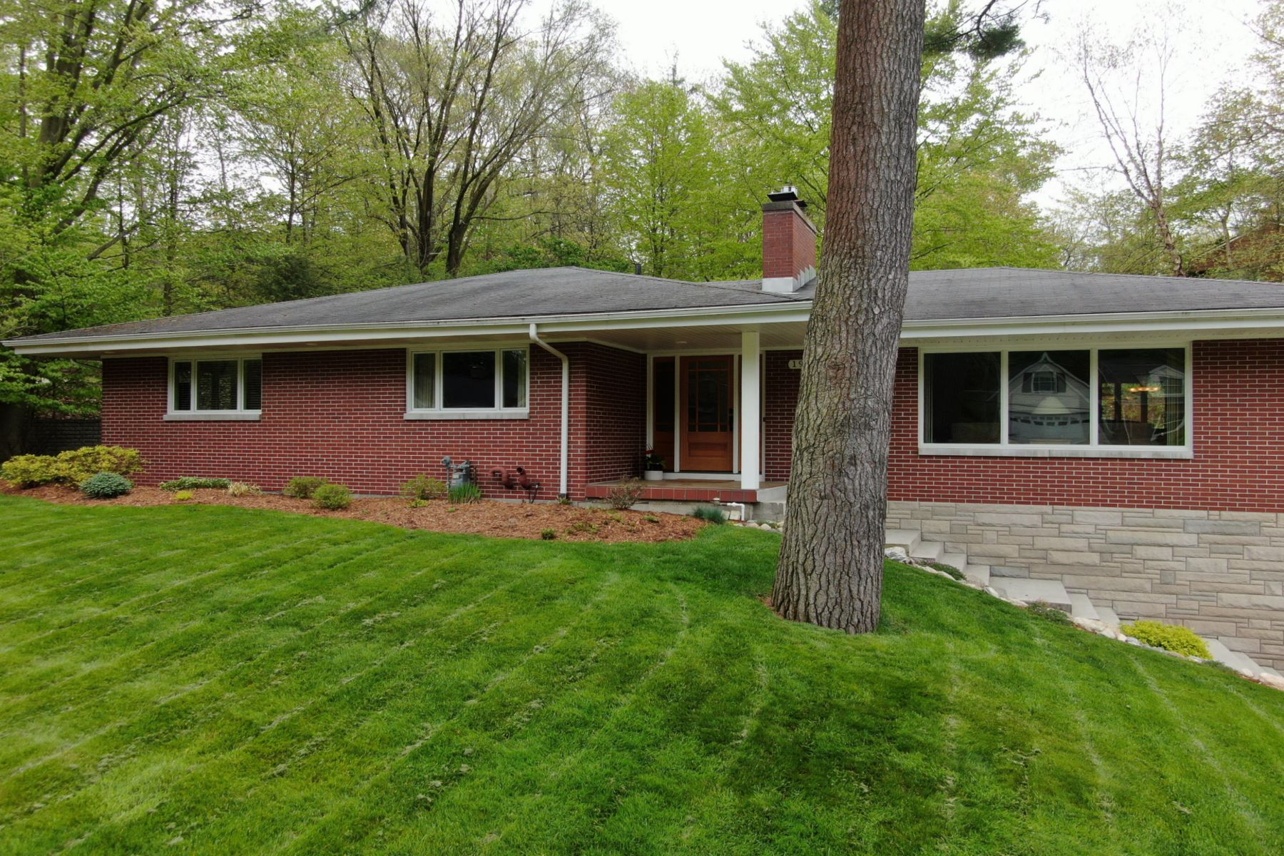 Single Family Homes for Sale at Spacious Grand Haven Oasis 190 Grand Avenue Grand Haven, Michigan 49417 United States