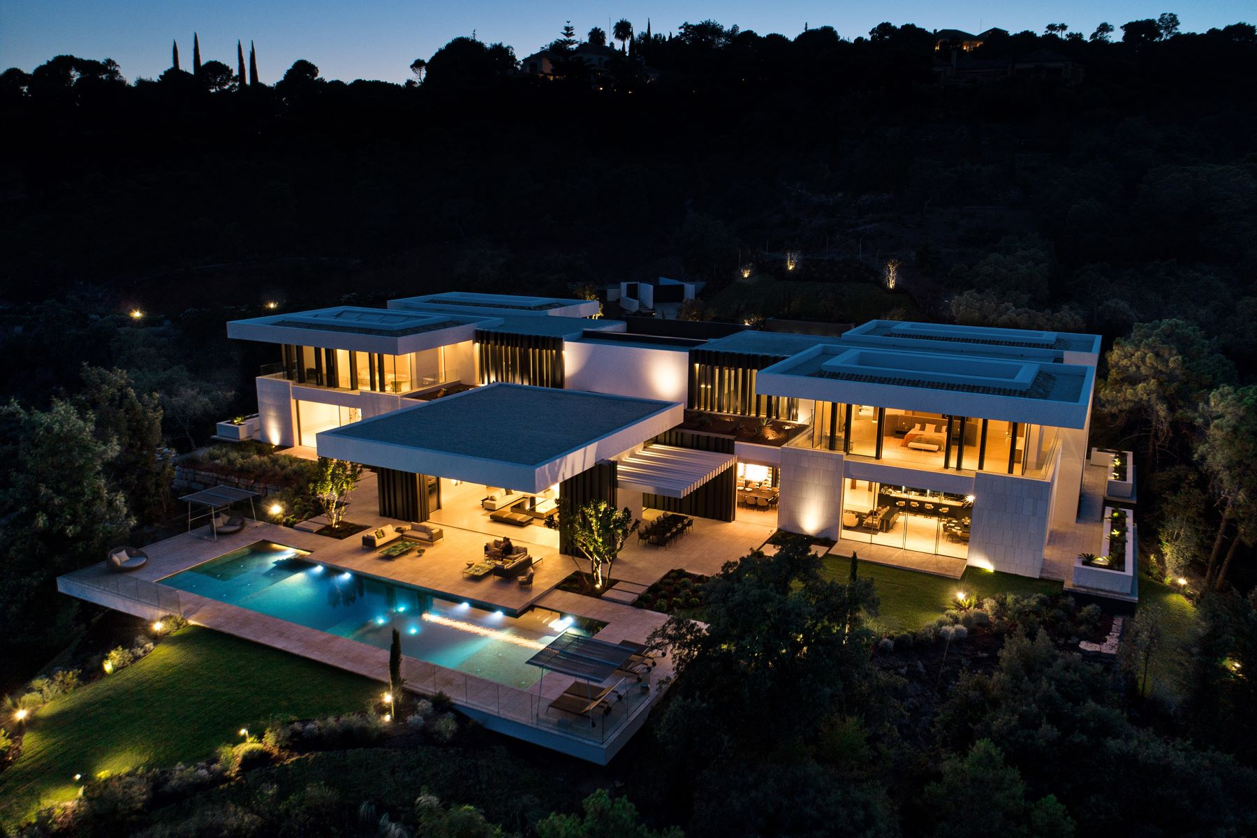 Additional photo for property listing at Astonishing mansion in unique location. Marbella, Andalucia Spain