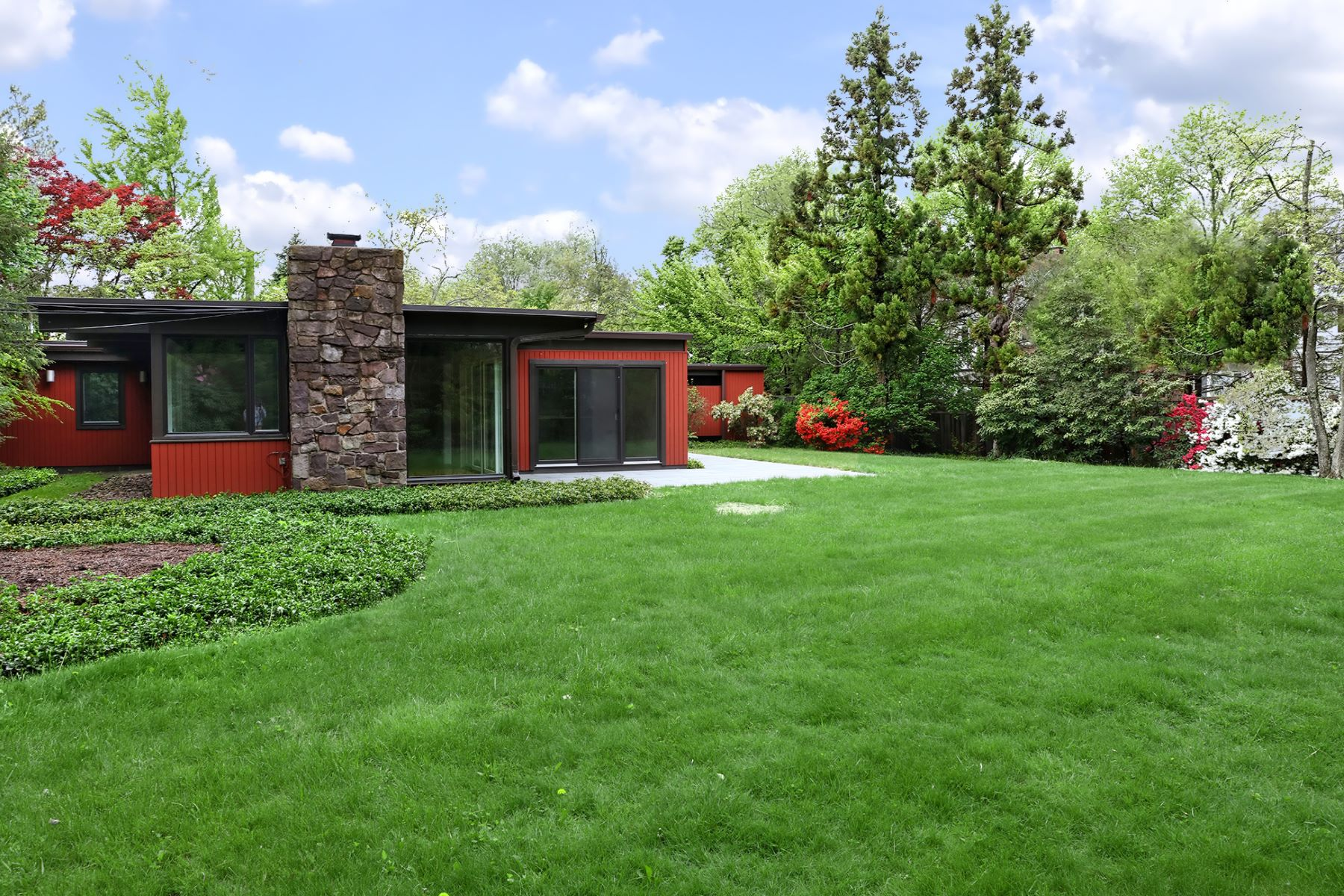 Additional photo for property listing at Iconic Mid-Century Modern Home 9 Orchard Circle, Princeton, New Jersey 08540 United States