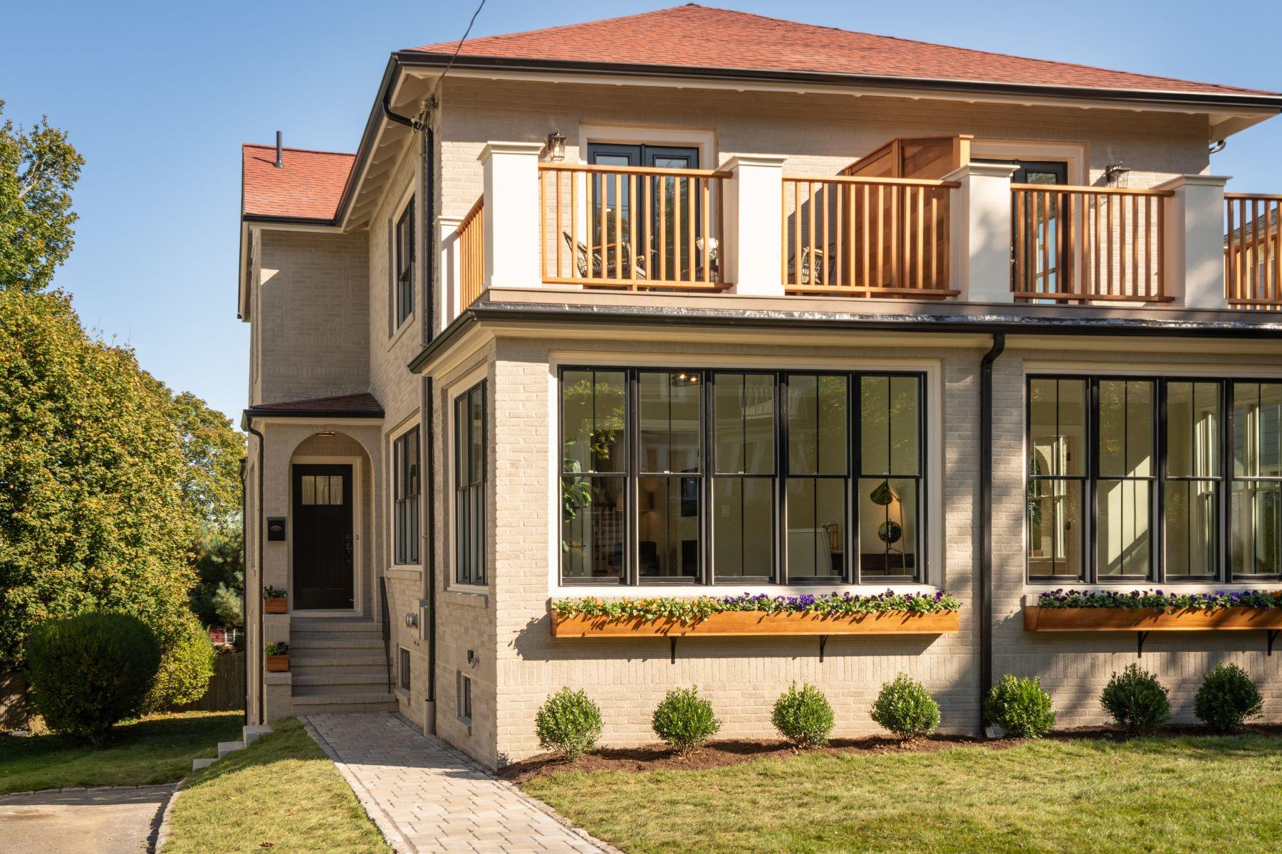 Condominiums por un Venta en 37 Algonquin Rd #37 Newton, Massachusetts 02467 Estados Unidos