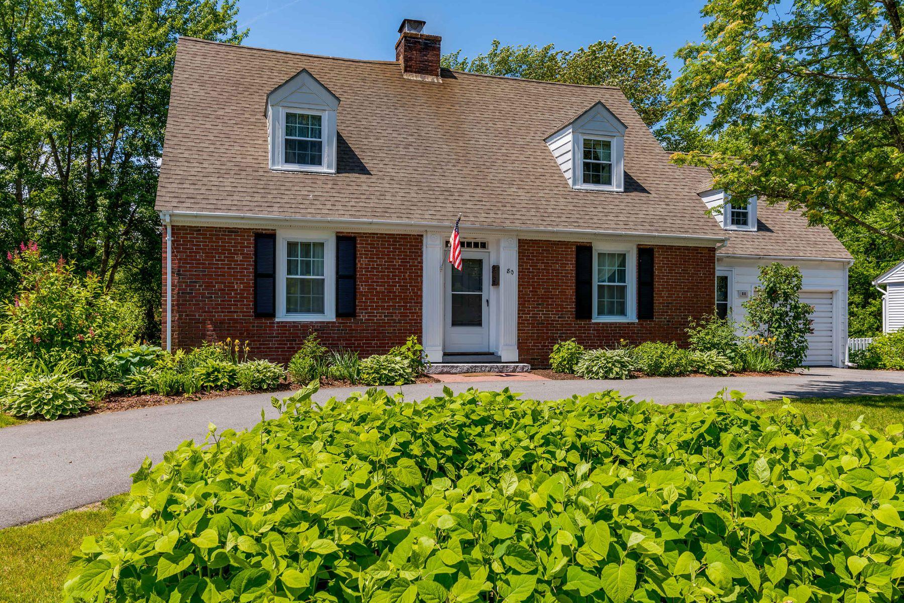 Single Family Homes للـ Sale في Stunning Riverfront Cape in Kennebunk Village 80 Fletcher Street, Kennebunk, Maine 04043 United States