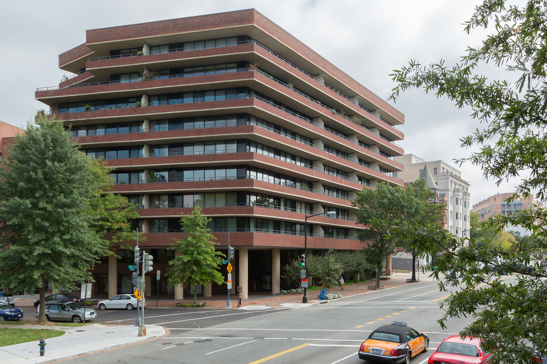 Condominio por un Venta en 2555 Pennsylvania Ave Nw #1c 2555 Pennsylvania Ave Nw #1c Washington, Distrito De Columbia 20037 Estados Unidos