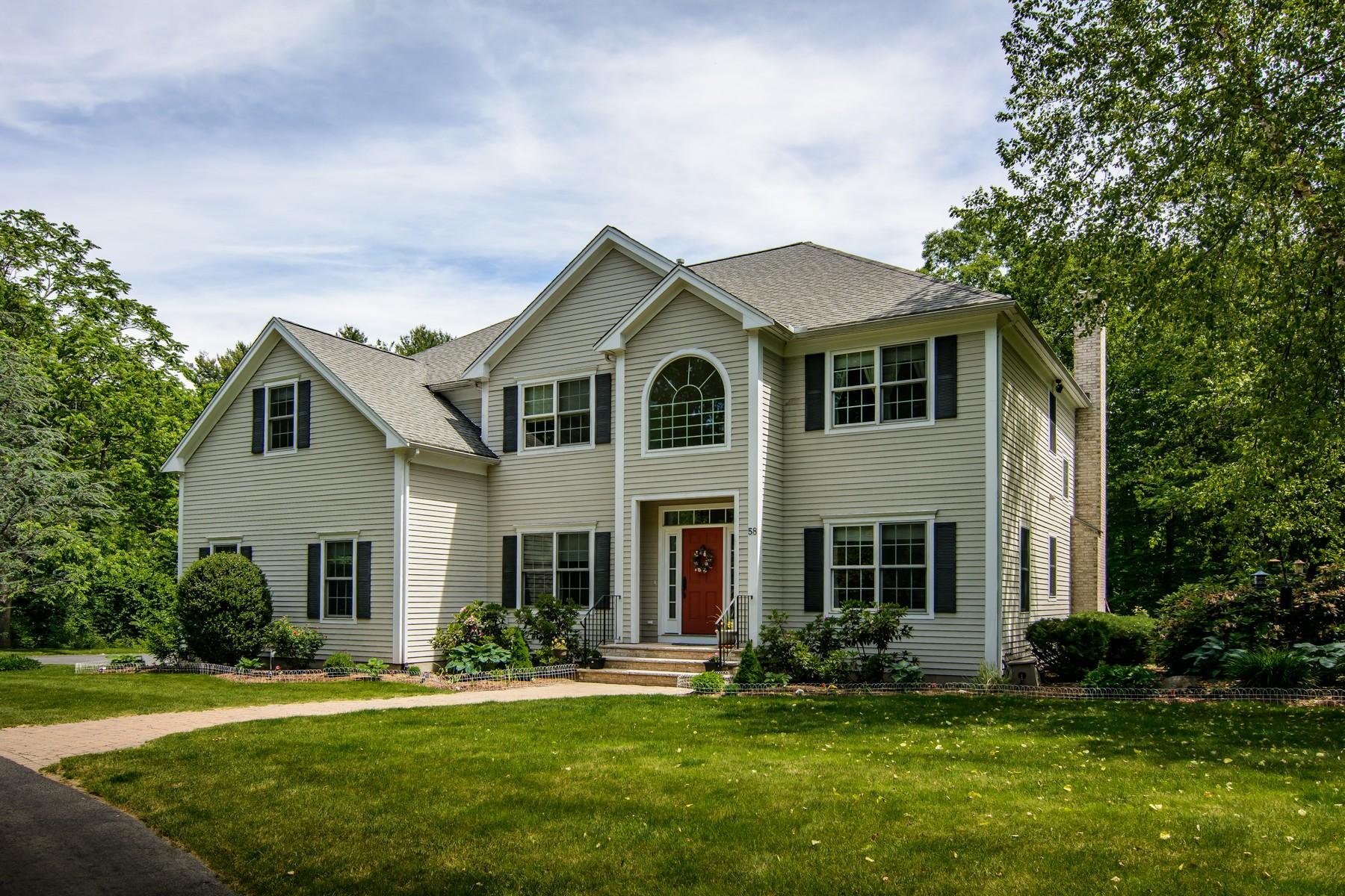 Single Family Homes 为 销售 在 Distinctive Contemporary Colonial Home 58 Spring Road, 斯特伯鲁, 马萨诸塞州 01581 美国