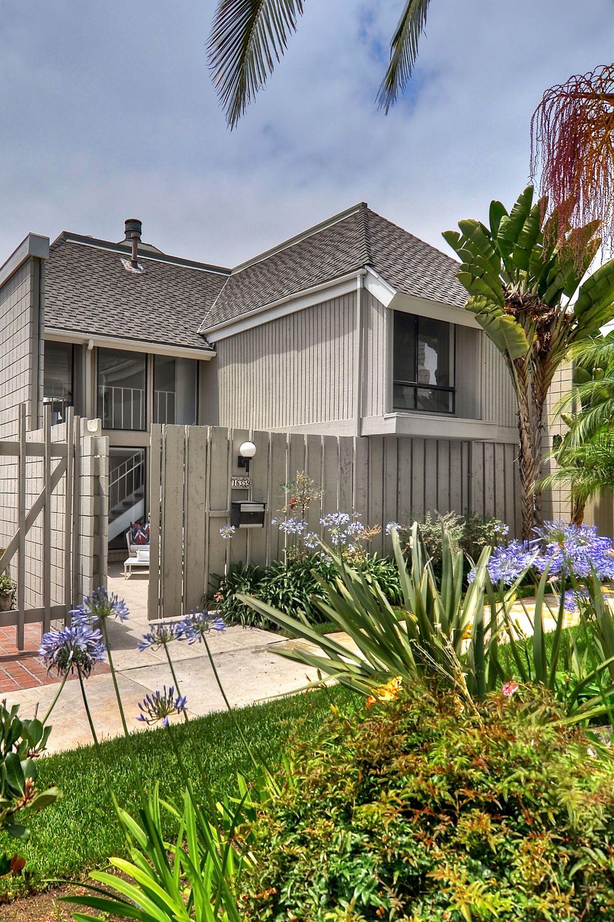 Townhouse for Sale at 16359 Wimbledon Huntington Beach, California, 92649 United States