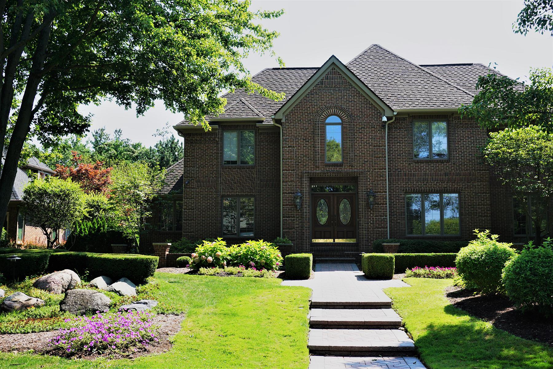 Частный односемейный дом для того Продажа на Clinton Township 19910 Westchester Drive Clinton Township, Мичиган, 48038 Соединенные Штаты