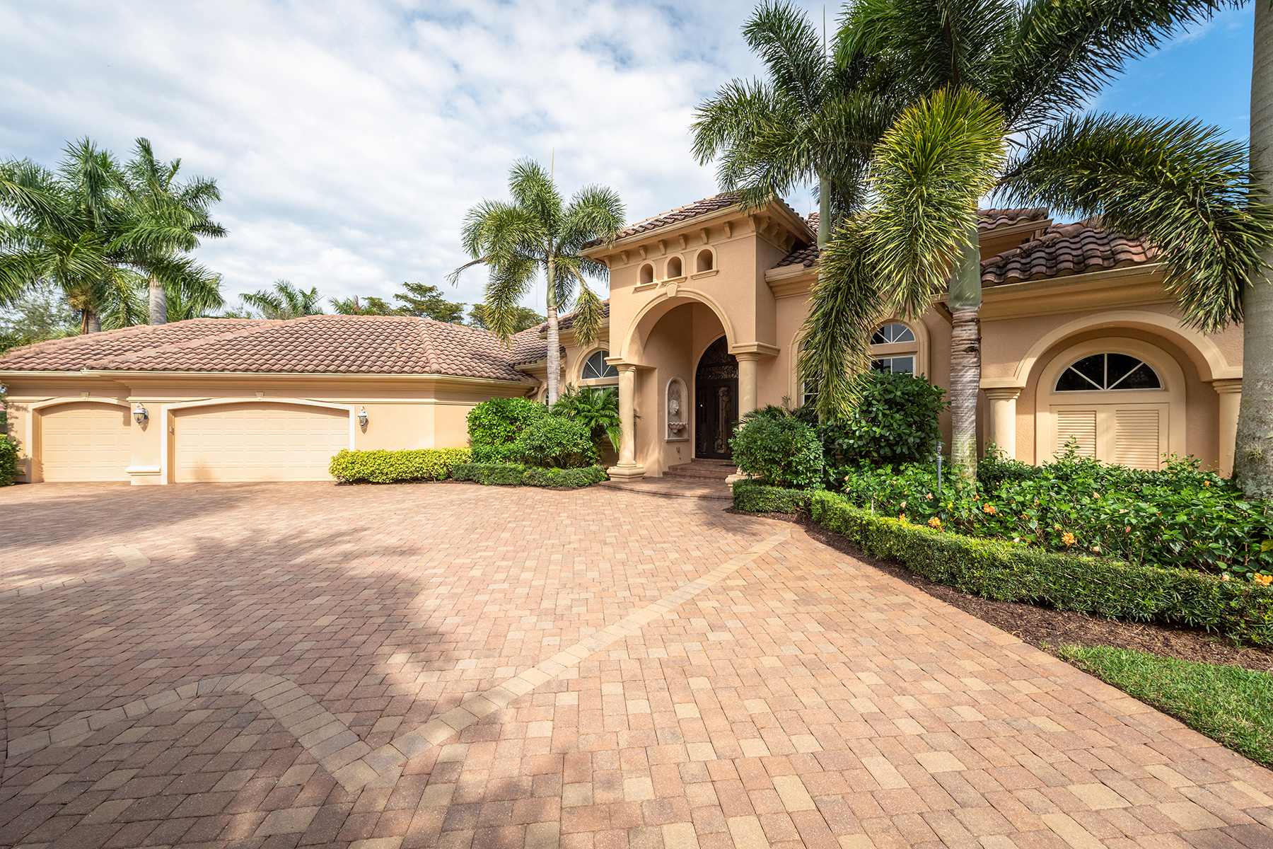 single family homes for Active at SHADOW WOOD AT THE BROOKS - WOODSEDGE 22231 Wood Run Court Estero, Florida 34135 United States