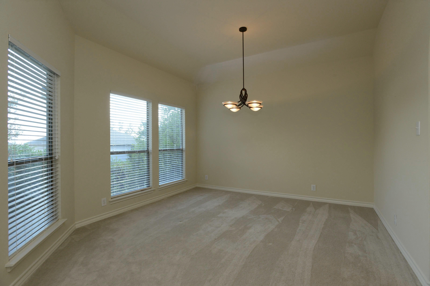 Additional photo for property listing at Single-Story Rental in Heart of Sonterra 538 Bosque Vista San Antonio, Texas 78258 United States