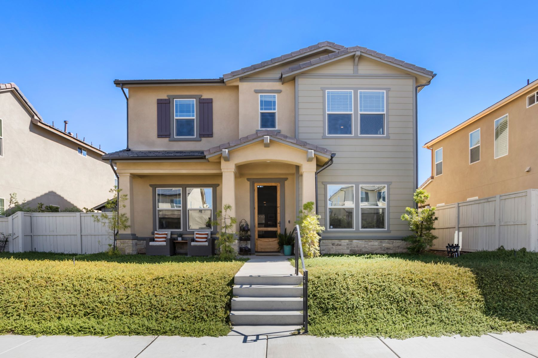 Single Family Homes for Sale at 2922 Fledging Drive 2922 Fledgling Drive Escondido, California 92029 United States