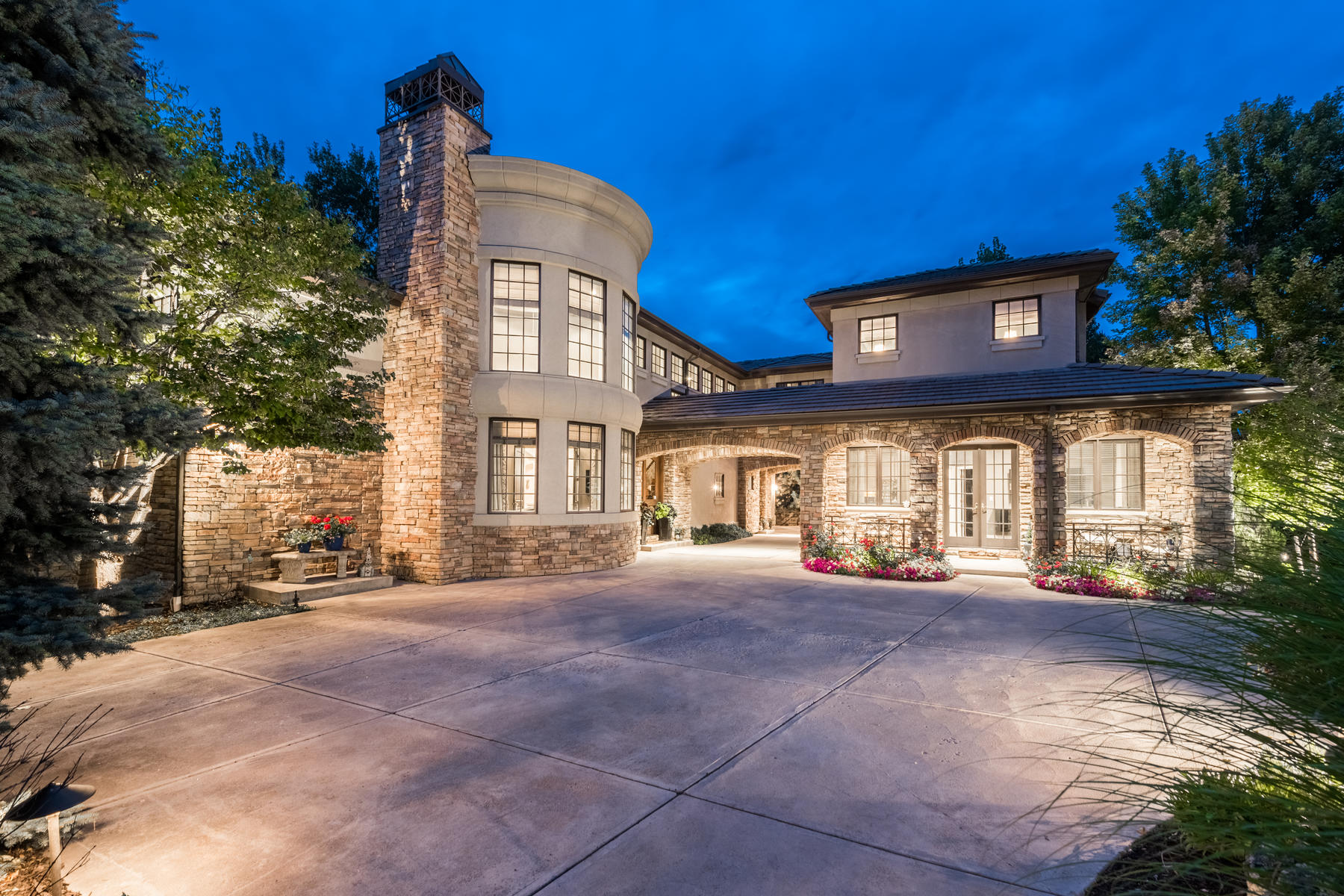 Single Family Home for Active at Nestled within the 24-hour guard gated community of Buell Mansion 1 Ravenswood Rd Cherry Hills Village, Colorado 80113 United States
