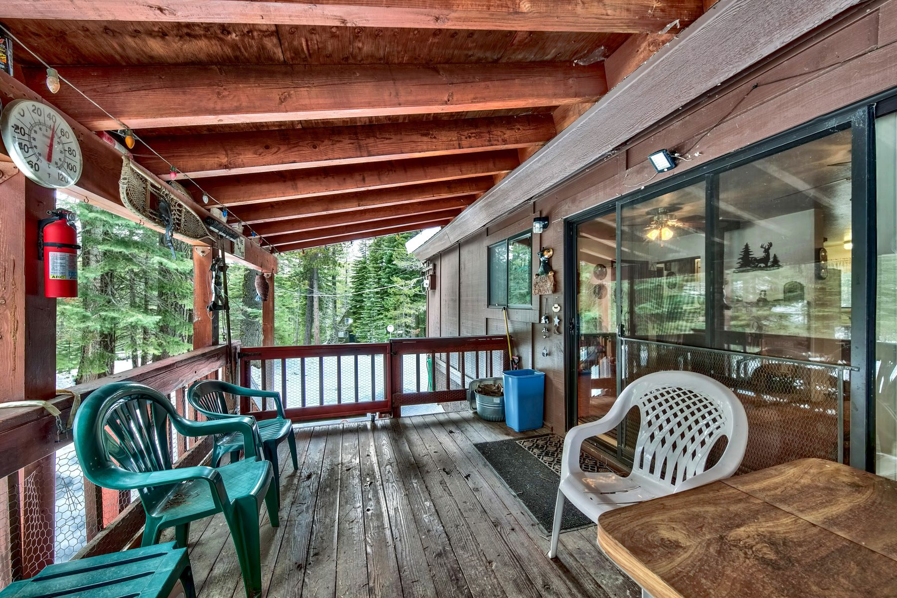 Additional photo for property listing at This perfect get-away cabin 304 Patricia Ln Sierra City, California 96125 United States