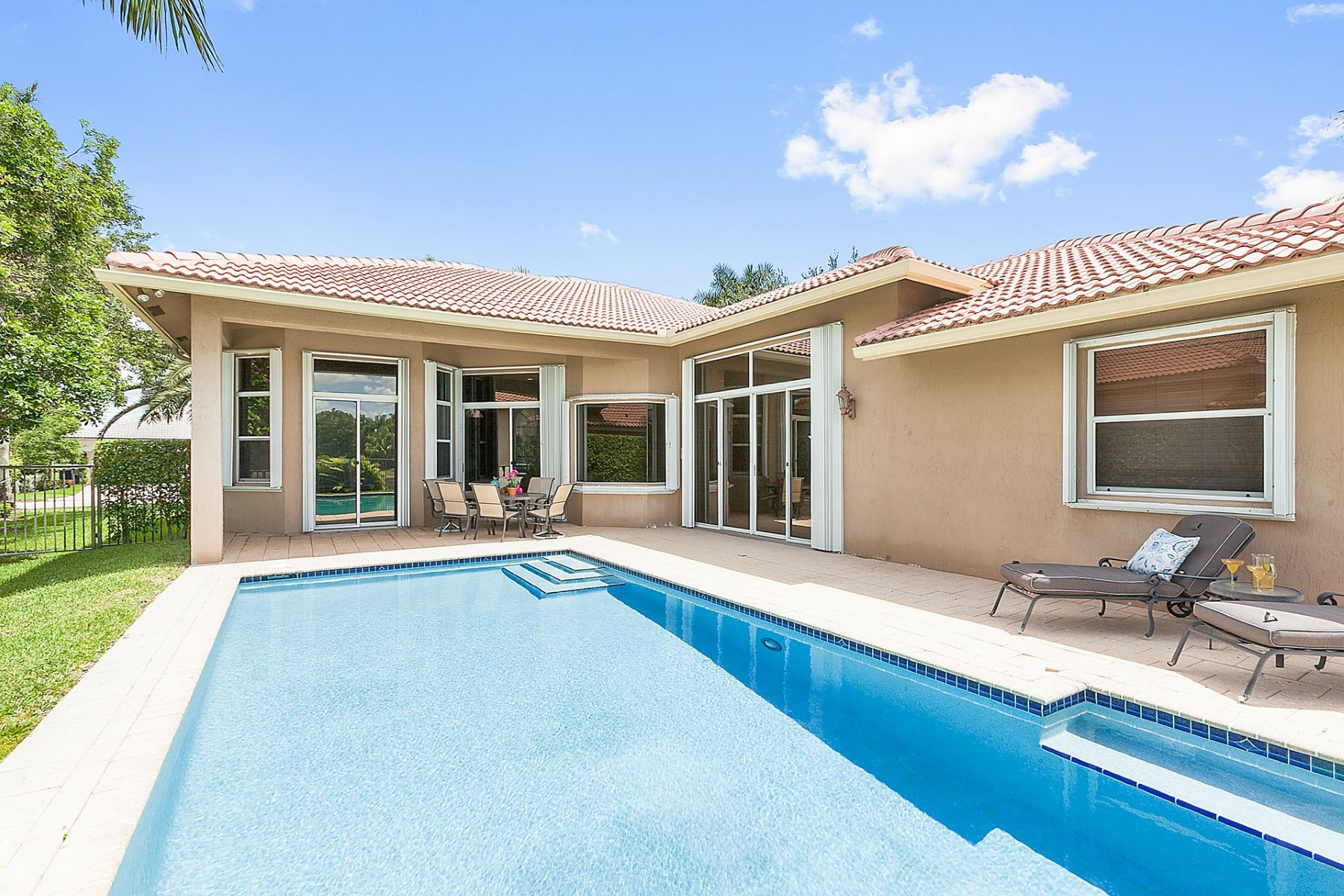 Single Family Home for Sale at 2544 Jardin Terr. Weston, Florida 33327 United States