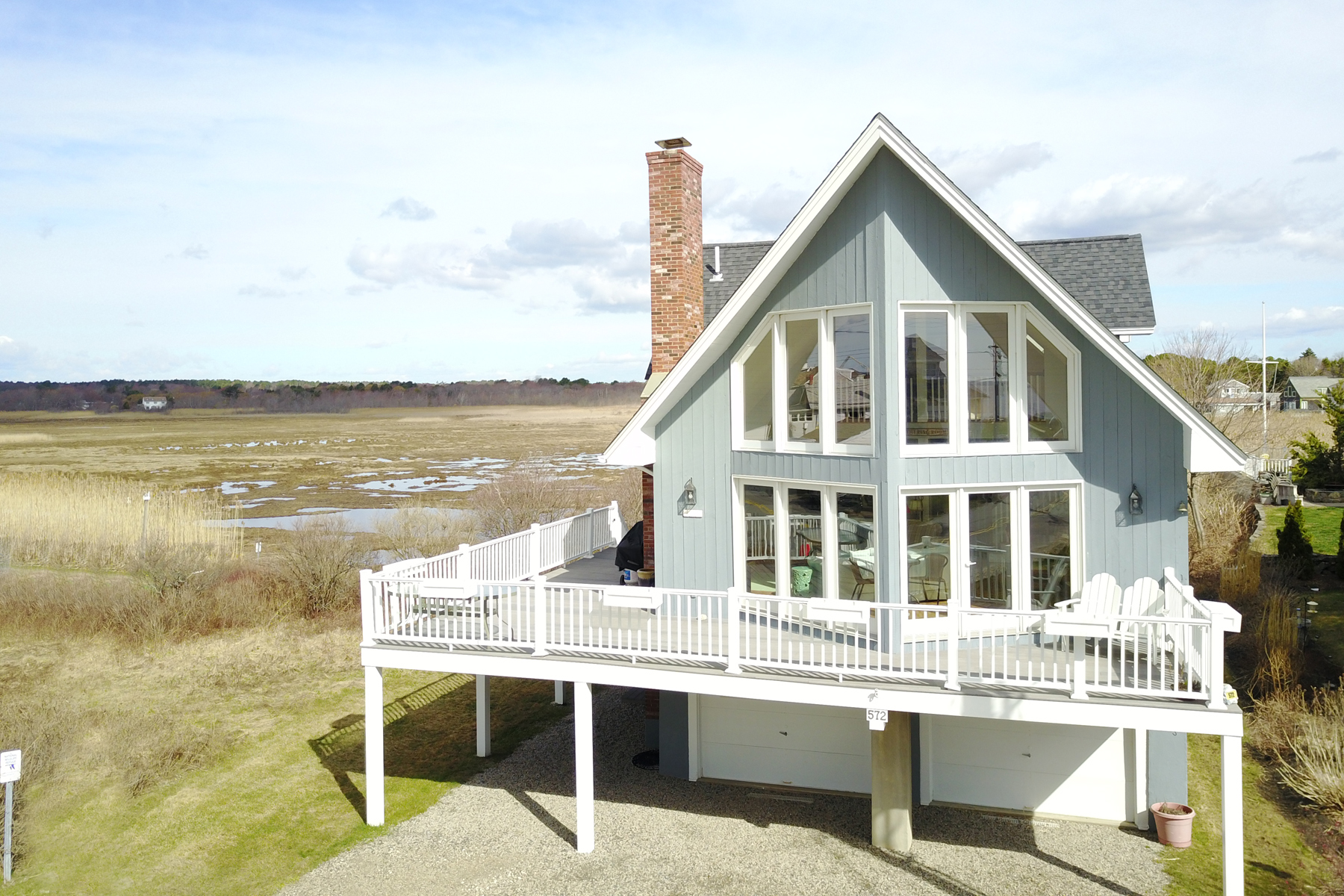 Casa Unifamiliar por un Venta en Stunning Ocean View Contemporary in Moody 572 Ocean Avenue Wells, Maine 04090 Estados Unidos