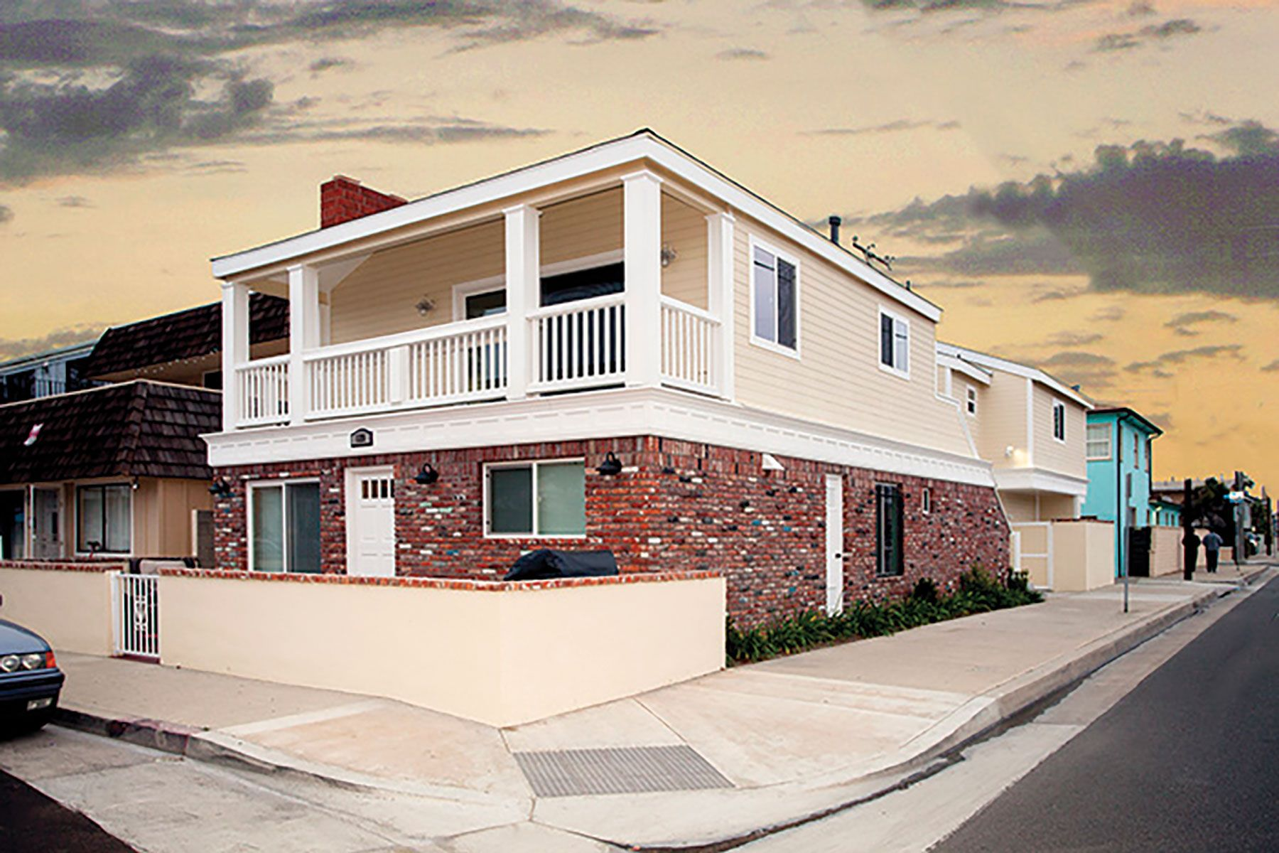 Dúplex por un Venta en 129 40th St Newport Beach, California, 92663 Estados Unidos