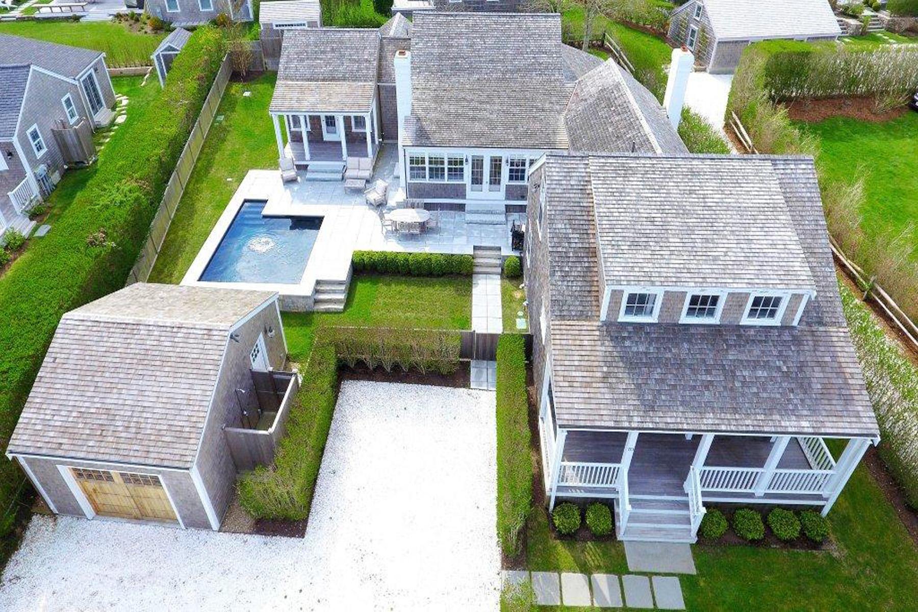 Частный односемейный дом для того Продажа на In the Heart of 'Sconset 10 Lincoln Street Siasconset, Массачусетс, 02564 Соединенные Штаты