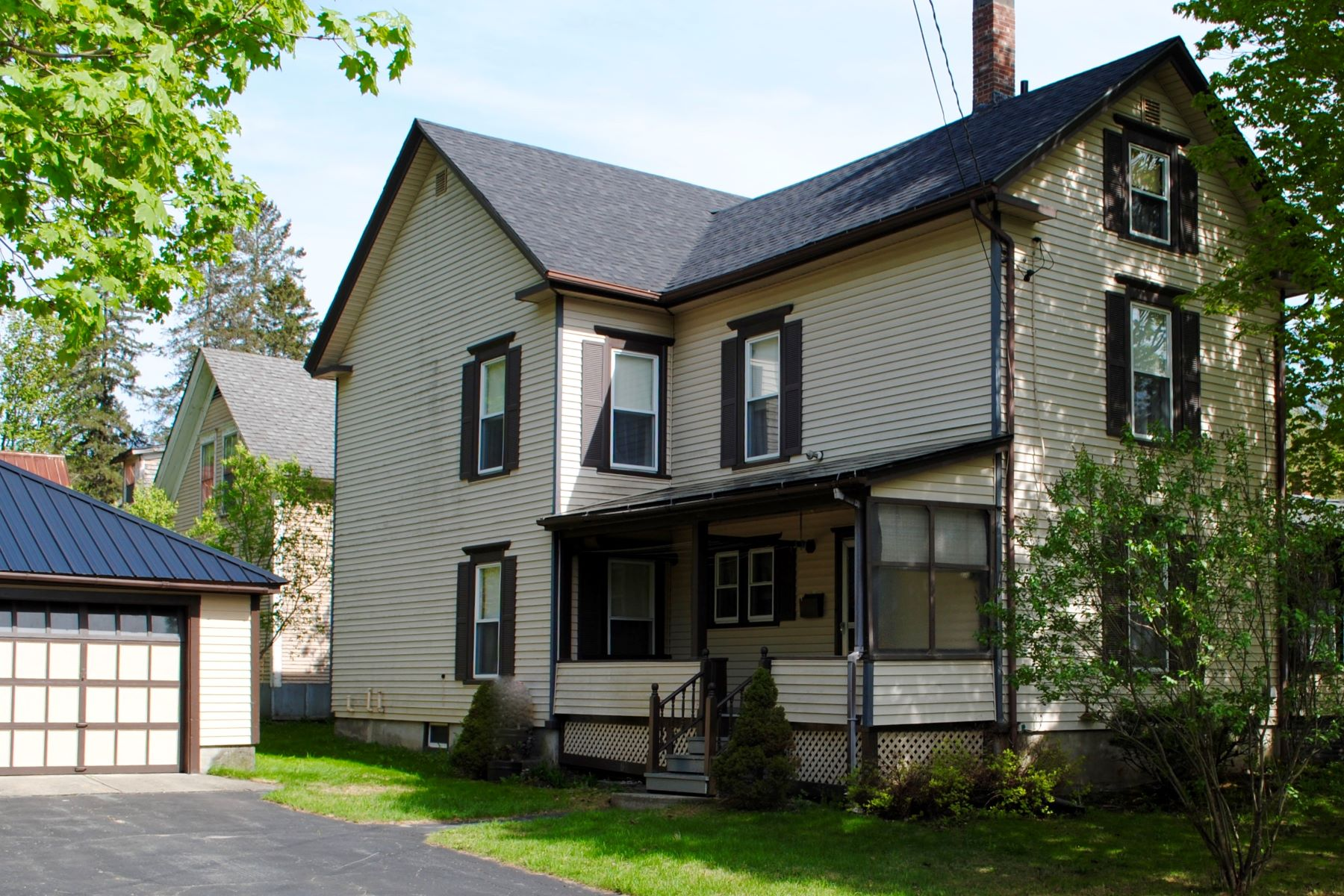 Single Family Homes for Sale at 10 Duke Street, St. Johnsbury 10 Duke St St. Johnsbury, Vermont 05819 United States