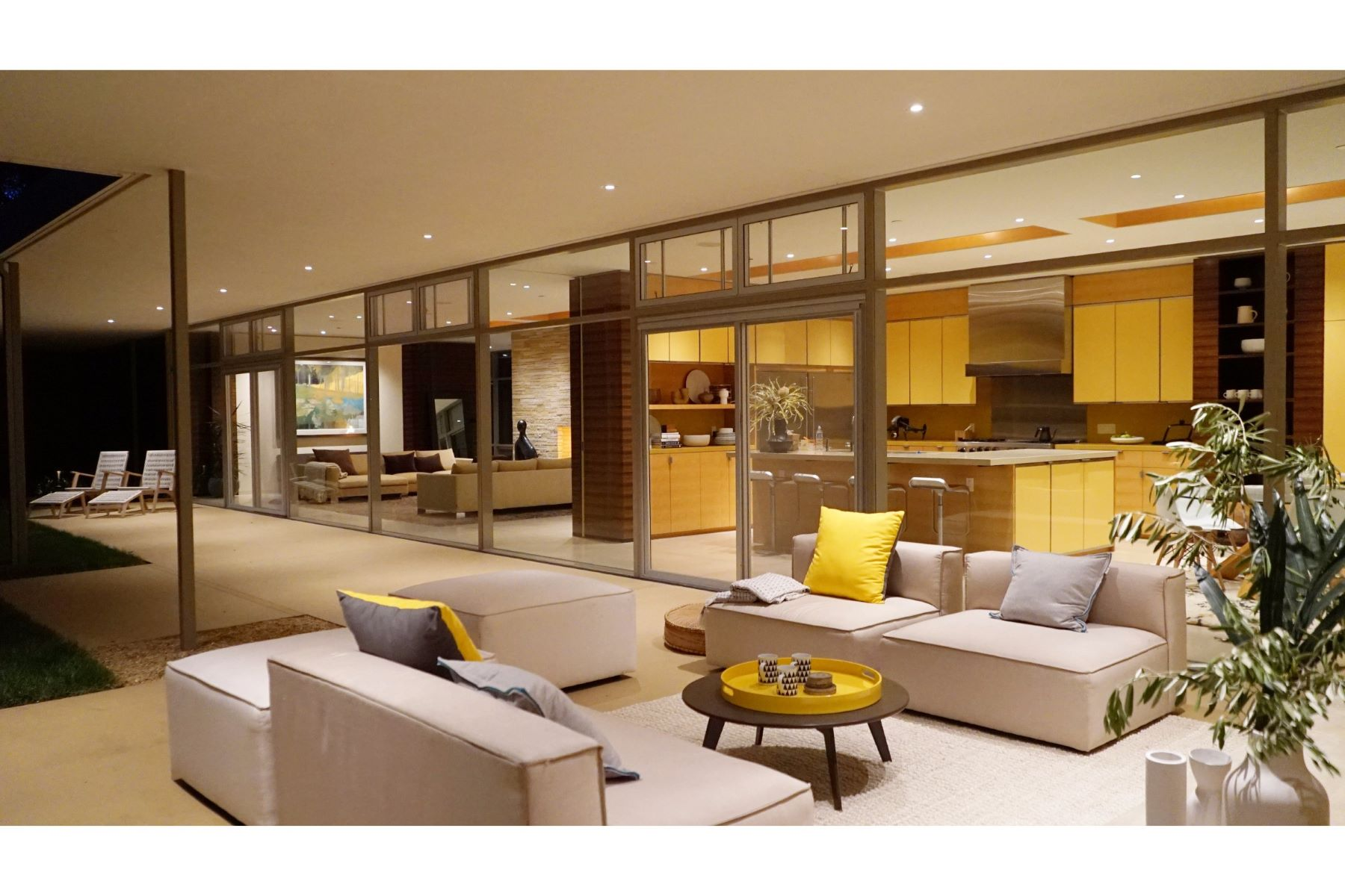 獨棟家庭住宅 為 出售 在 12950 Robleda Road Los Altos, 加利福尼亞州 94022 美國