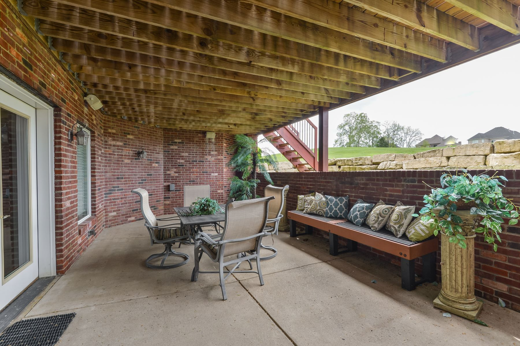Additional photo for property listing at 15102 Meadow Farms Court  Louisville, Kentucky 40245 United States
