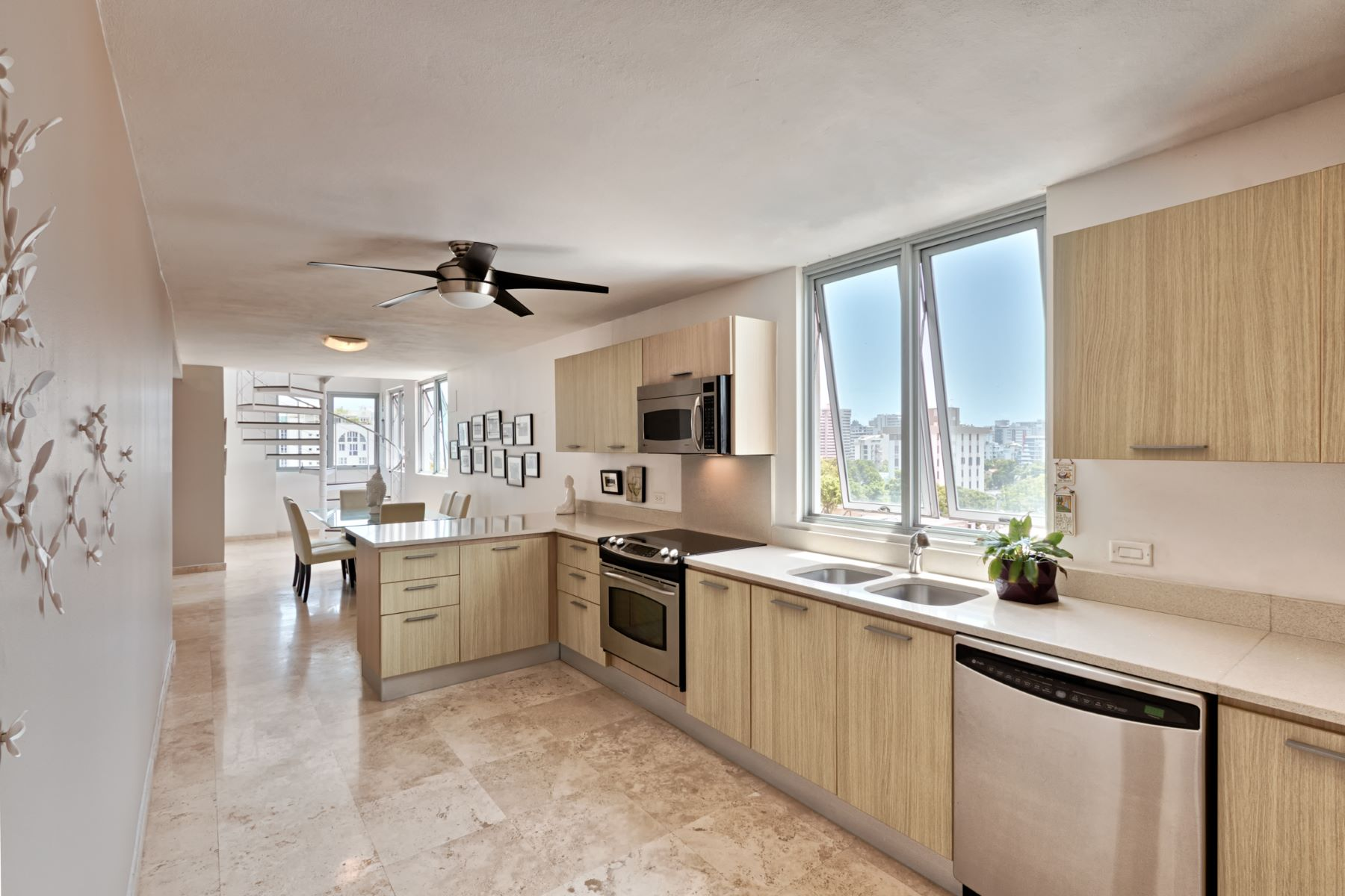 Additional photo for property listing at Costa Condado Penthouse 1420 Wilson Street Apt. 801 San Juan, Puerto Rico 00907 푸에르토리코