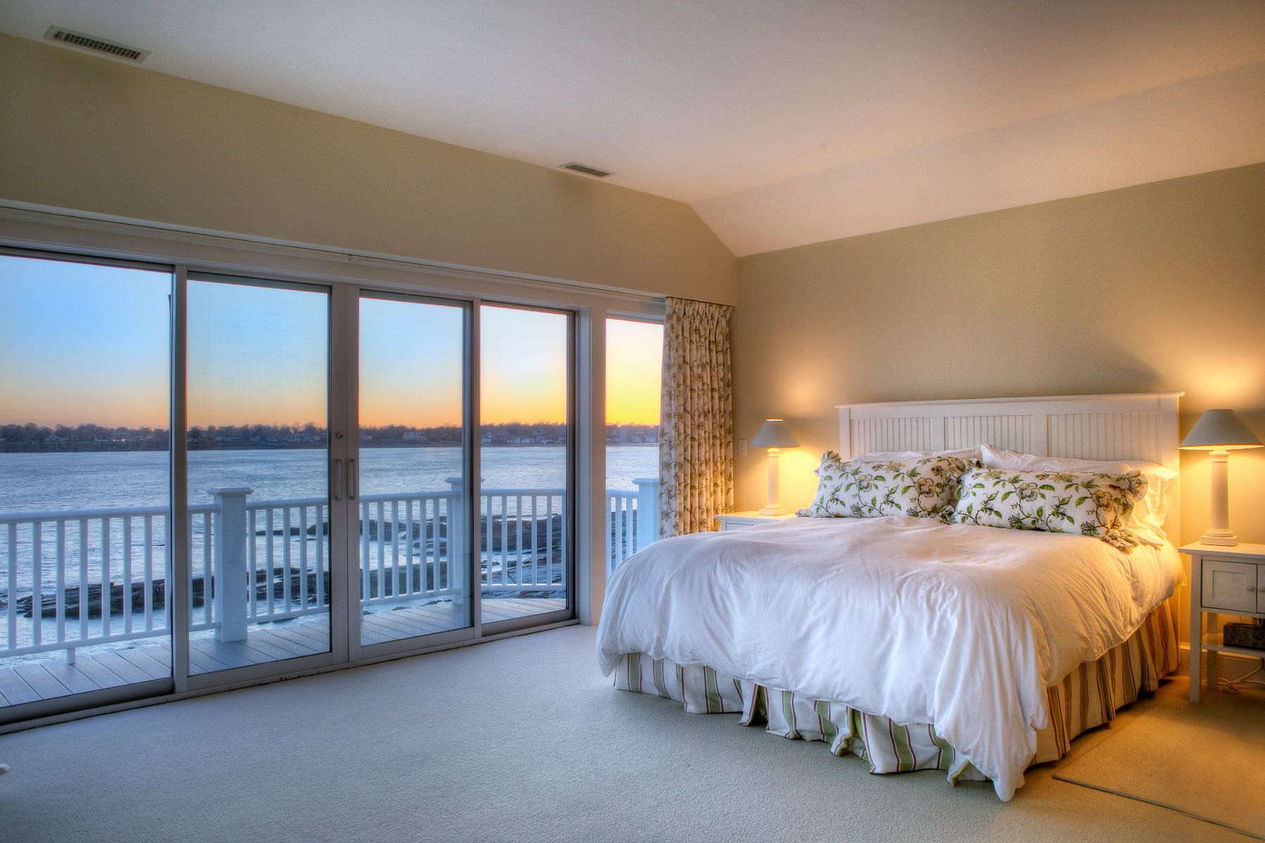 Additional photo for property listing at Oceanfront 6 Tuckerman Terrace Middletown, Rhode Island 02842 United States