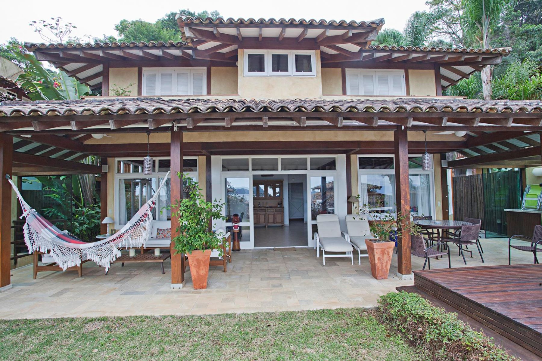 Single Family Home for Sale at Panoramic View to the Sea Avenida Mãe Bernarda Sao Sebastiao, Sao Paulo, 11600-000 Brazil