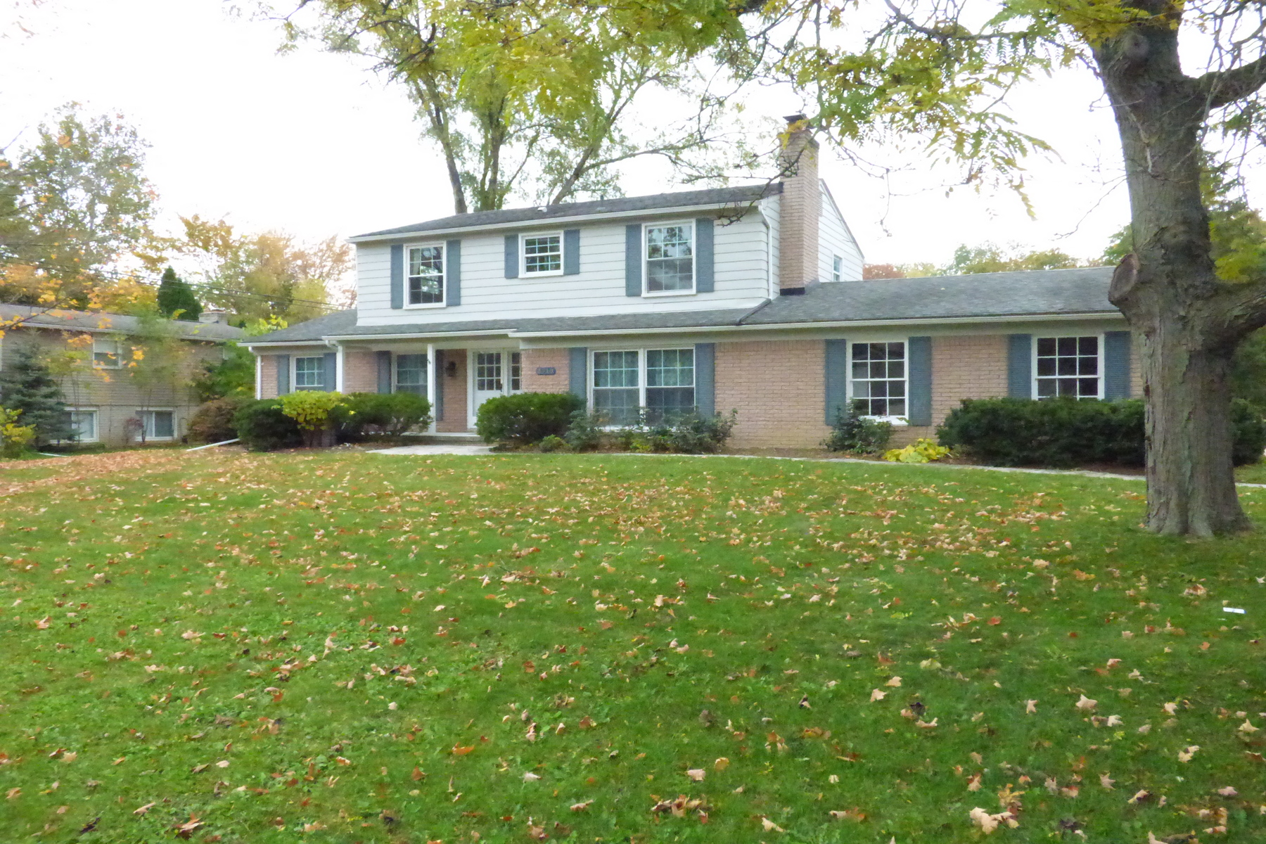 Single Family Homes for Sale at Troy 3710 Eastbourne Drive Troy, Michigan 48084 United States
