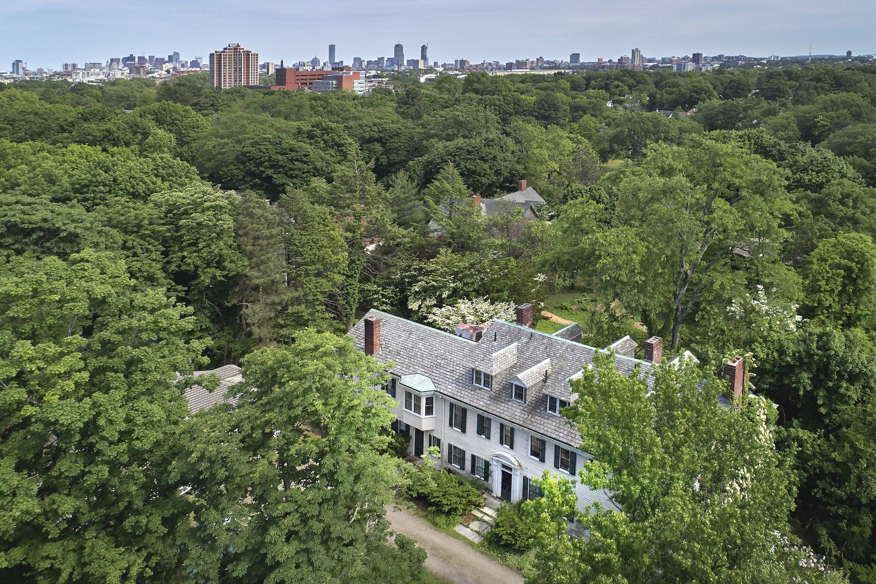 Single Family Homes por un Venta en 17 Fresh Pond Parkway Cambridge, Massachusetts 02138 Estados Unidos