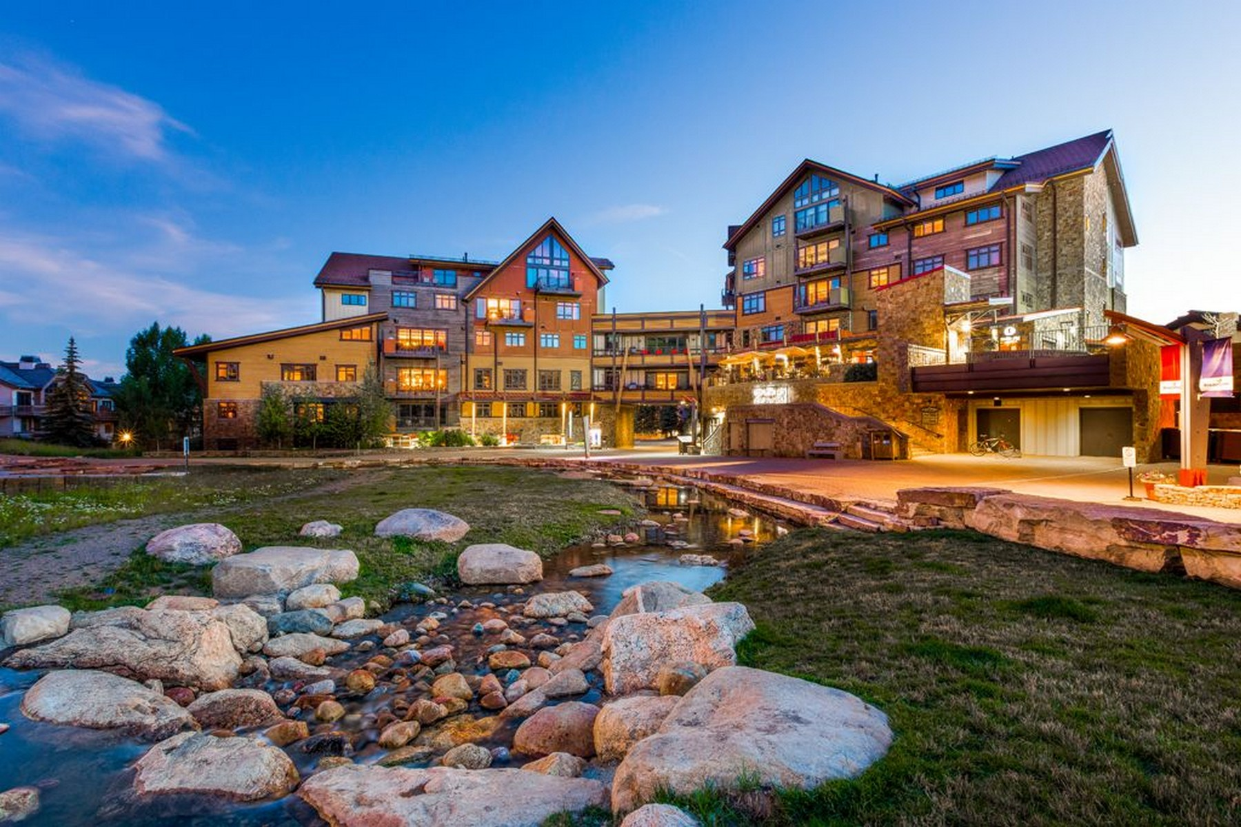 ملكية جزئية للـ Sale في Luxury Slopeside Resort 2250 Apres Ski Way 405-IV, Steamboat Springs, Colorado, 80487 United States