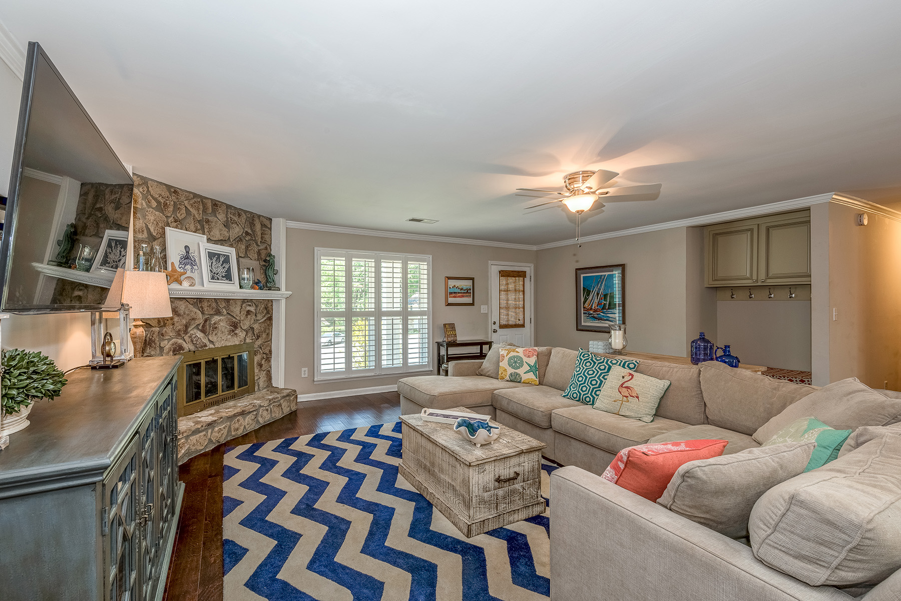 Additional photo for property listing at Immaculate Ranch in Martins Landing 755 Waterbrook Terrace Roswell, Джорджия 30076 Соединенные Штаты