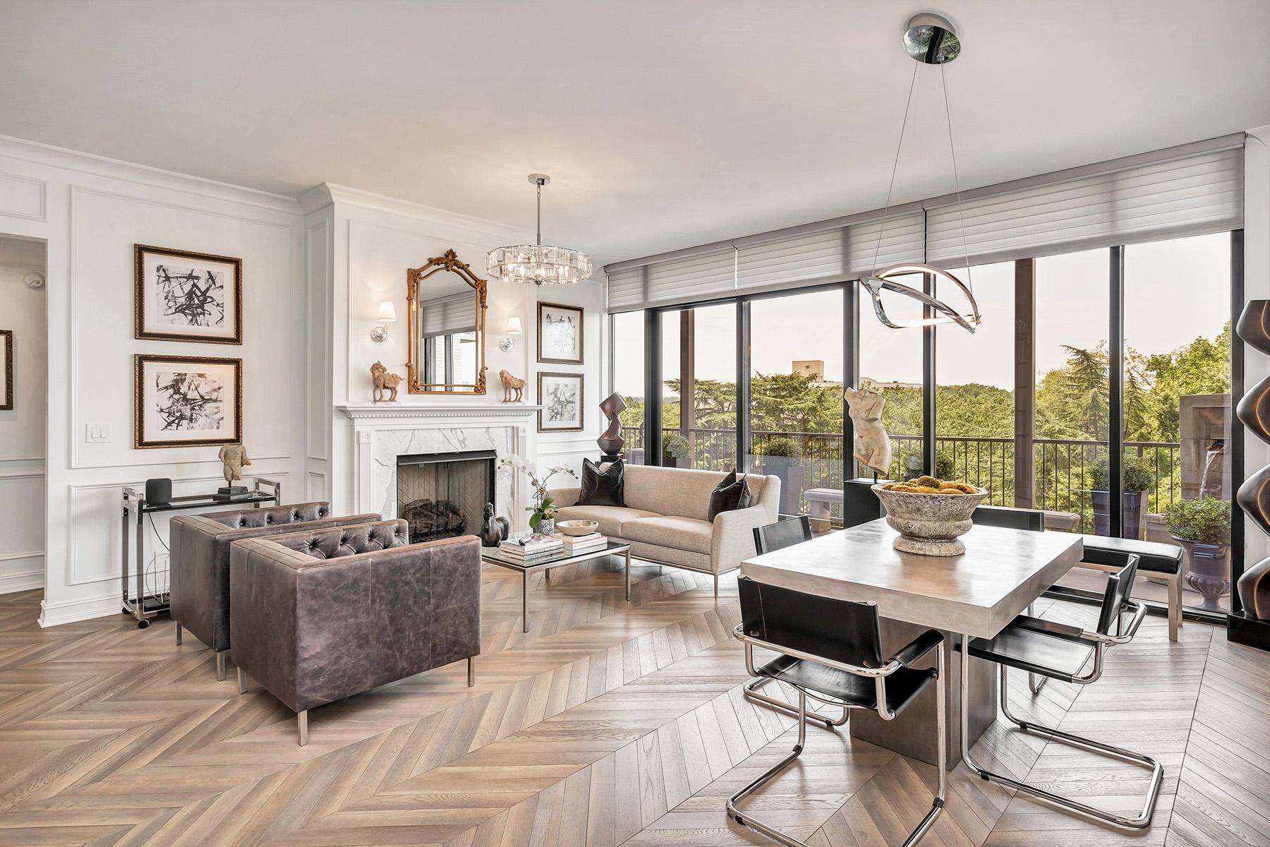 Condominiums для того Продажа на Sleek High Rise Buckhead Living 2233 Peachtree Road NE No. 603, Atlanta, Джорджия 30309 Соединенные Штаты